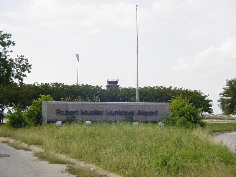 robert mueller municipal airport wikipedia rh en wikipedia org airbnb austin downtown air b and b austin wedding