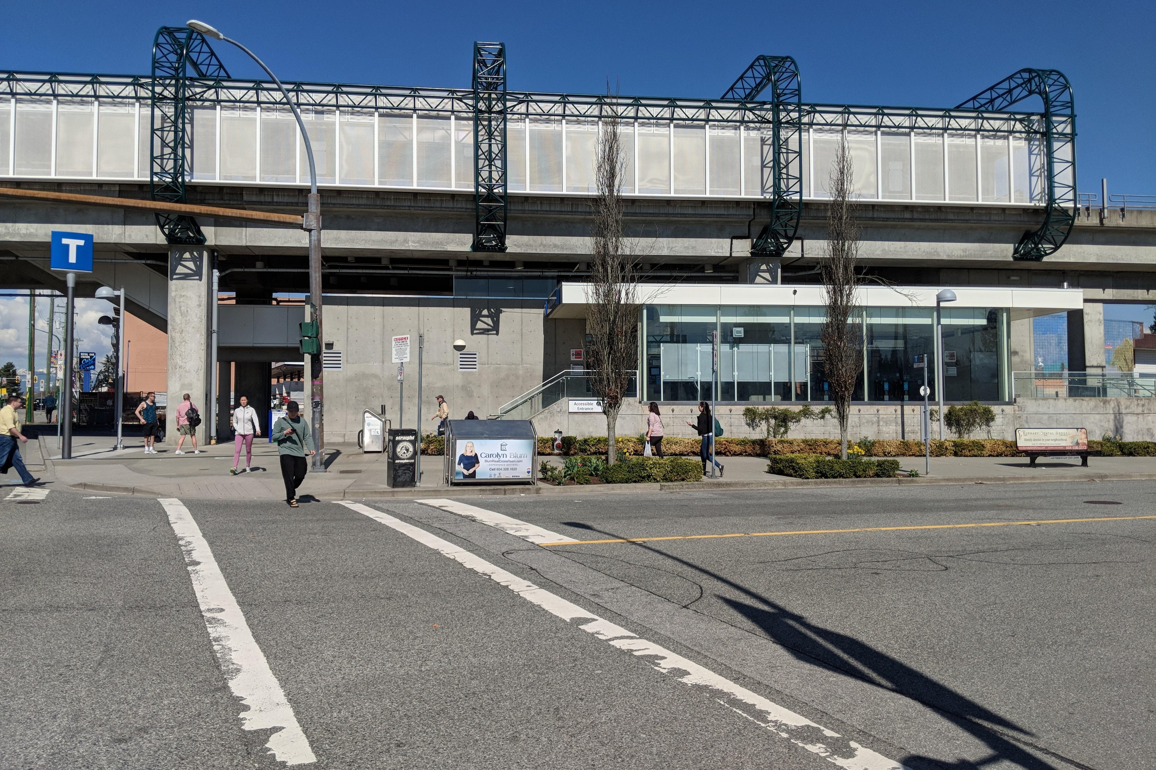 Royal Oak station (SkyTrain) - Wikipedia