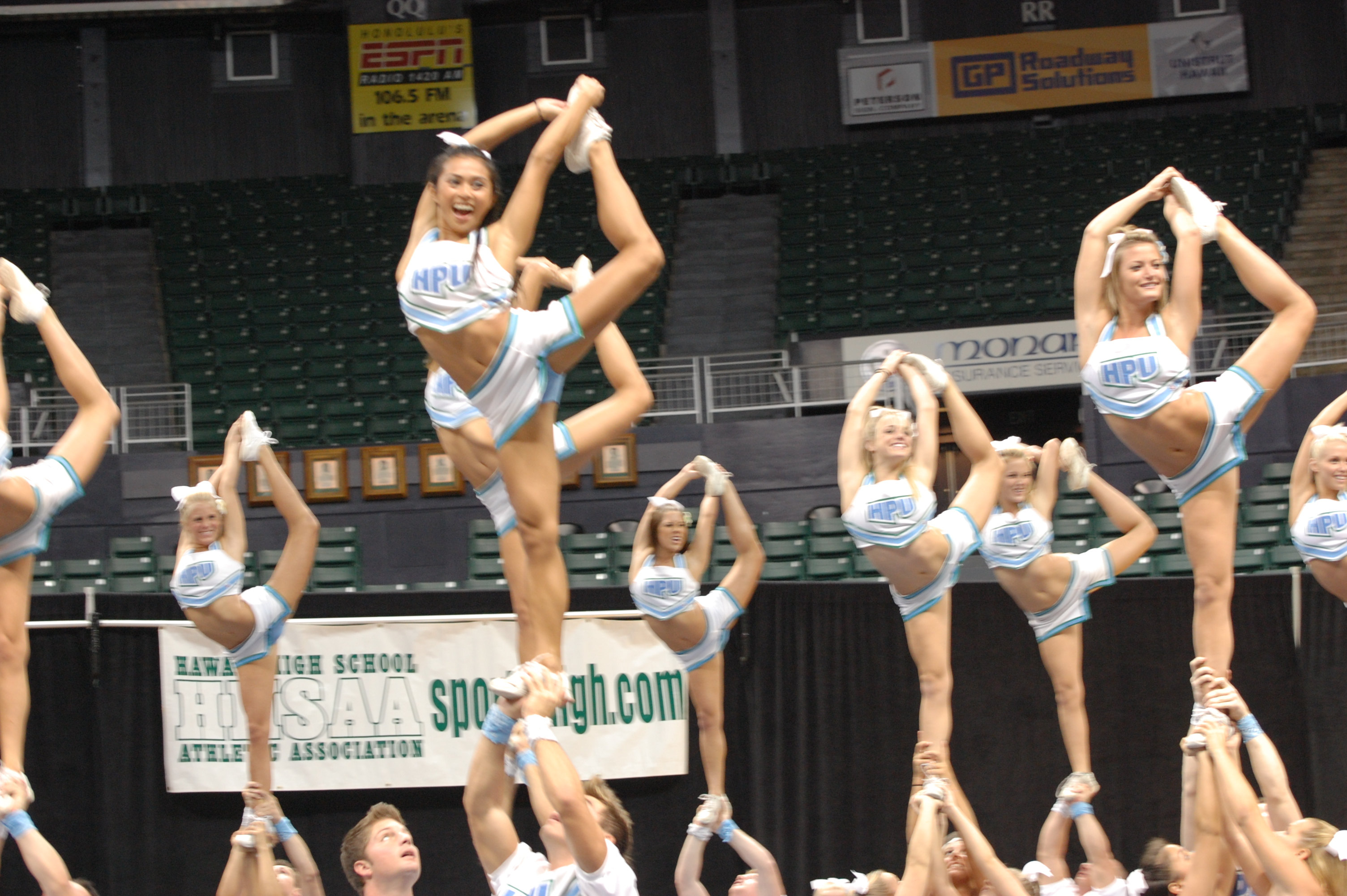 Cheerleading Stunt Coloring Pages