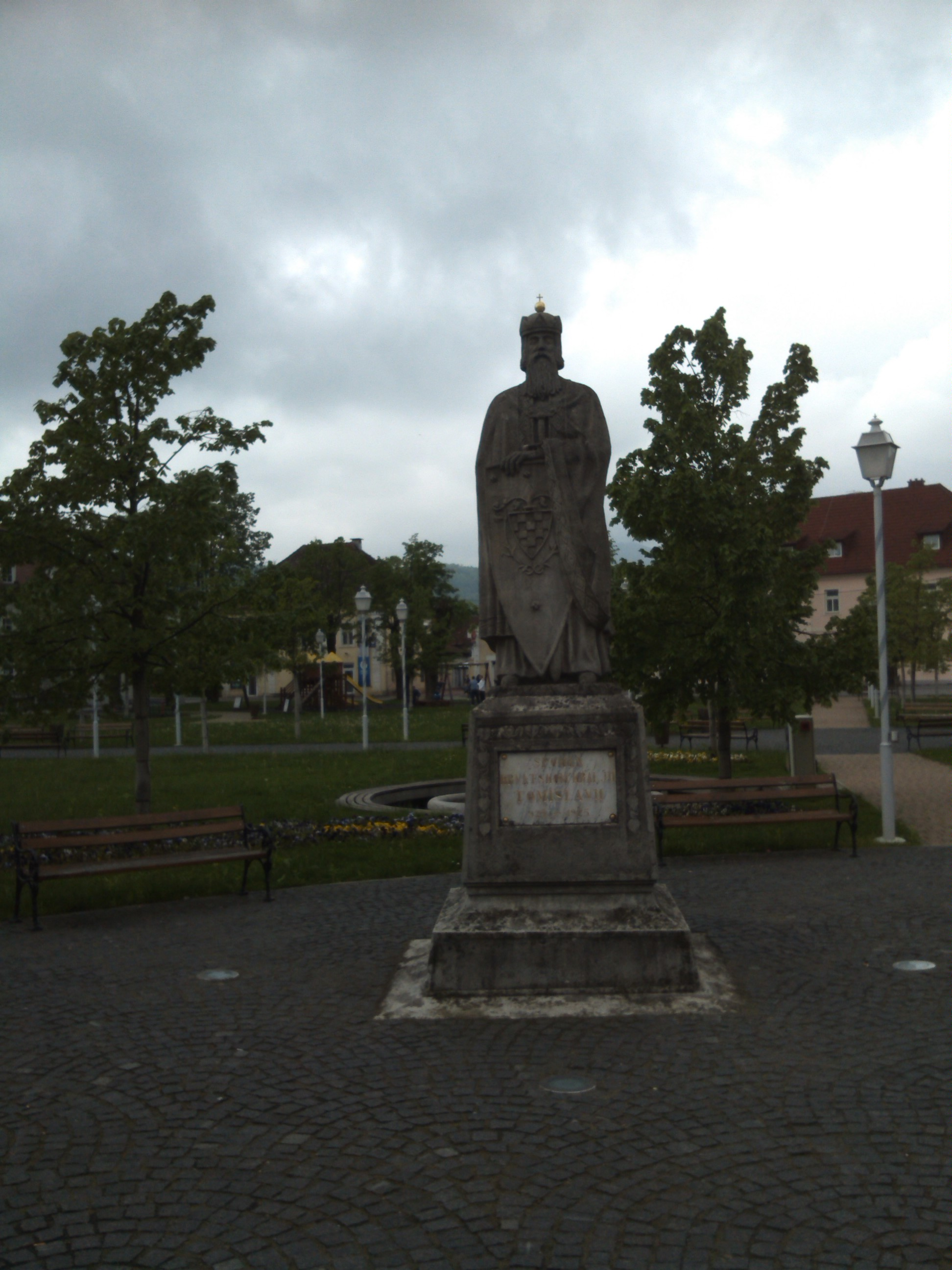 File Spomenik Kralju Tomislavu Ogulin 123043 Jpg Wikimedia Commons