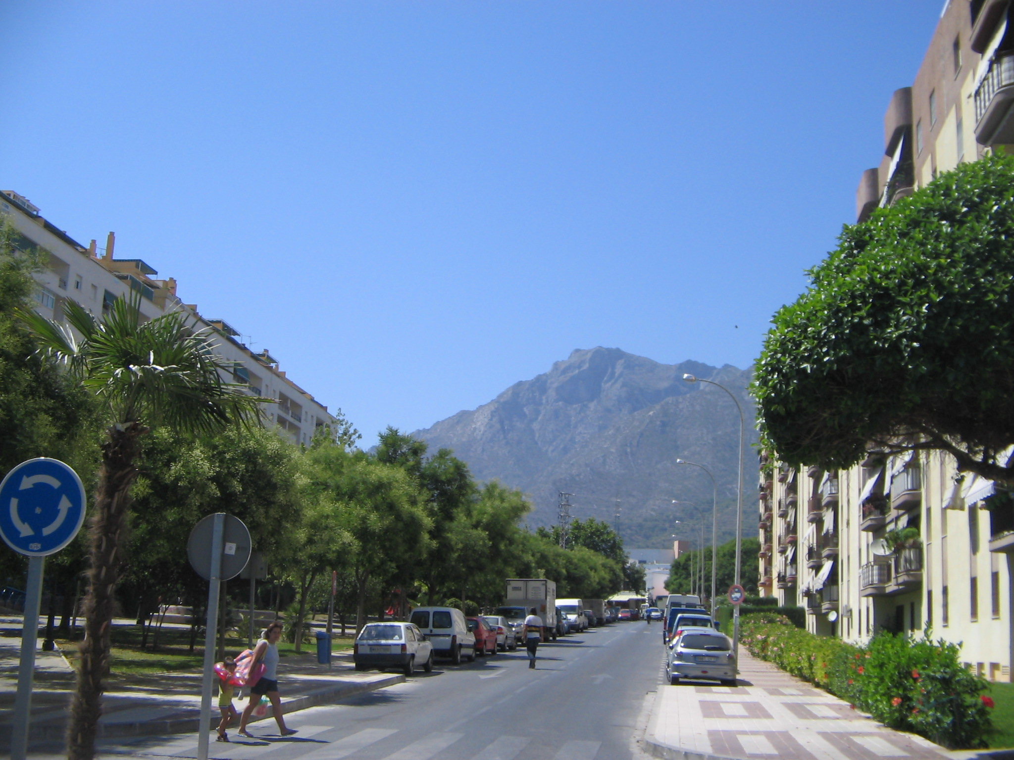 Marbella Spain  City new picture : Street in Marbella, Spain 2005 Wikimedia Commons