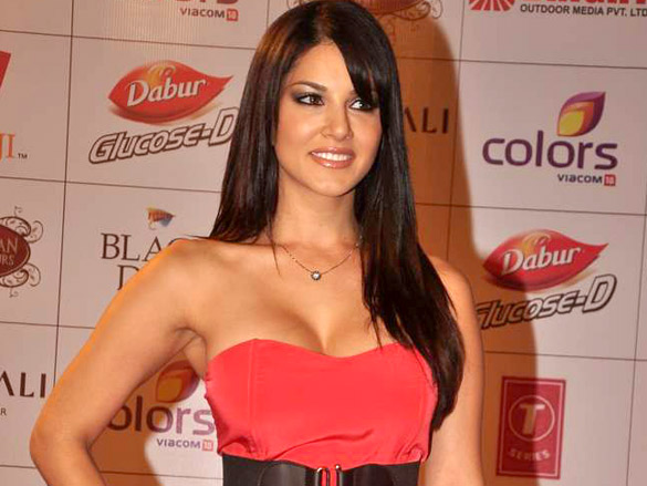 http://upload.wikimedia.org/wikipedia/commons/5/52/Sunny_Leone_at_the_Global_Indian_Film_%26_Television_Honors_2012_%281%29.jpg