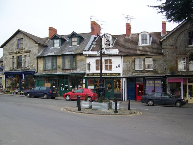 The Square, Tisbury - geograph.org.uk - 689798