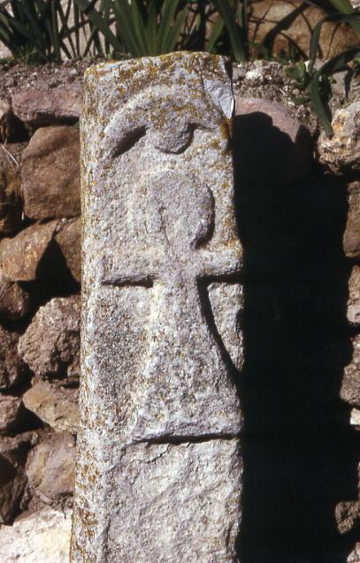 https://upload.wikimedia.org/wikipedia/commons/5/52/Tophet_Carthage.2.jpg