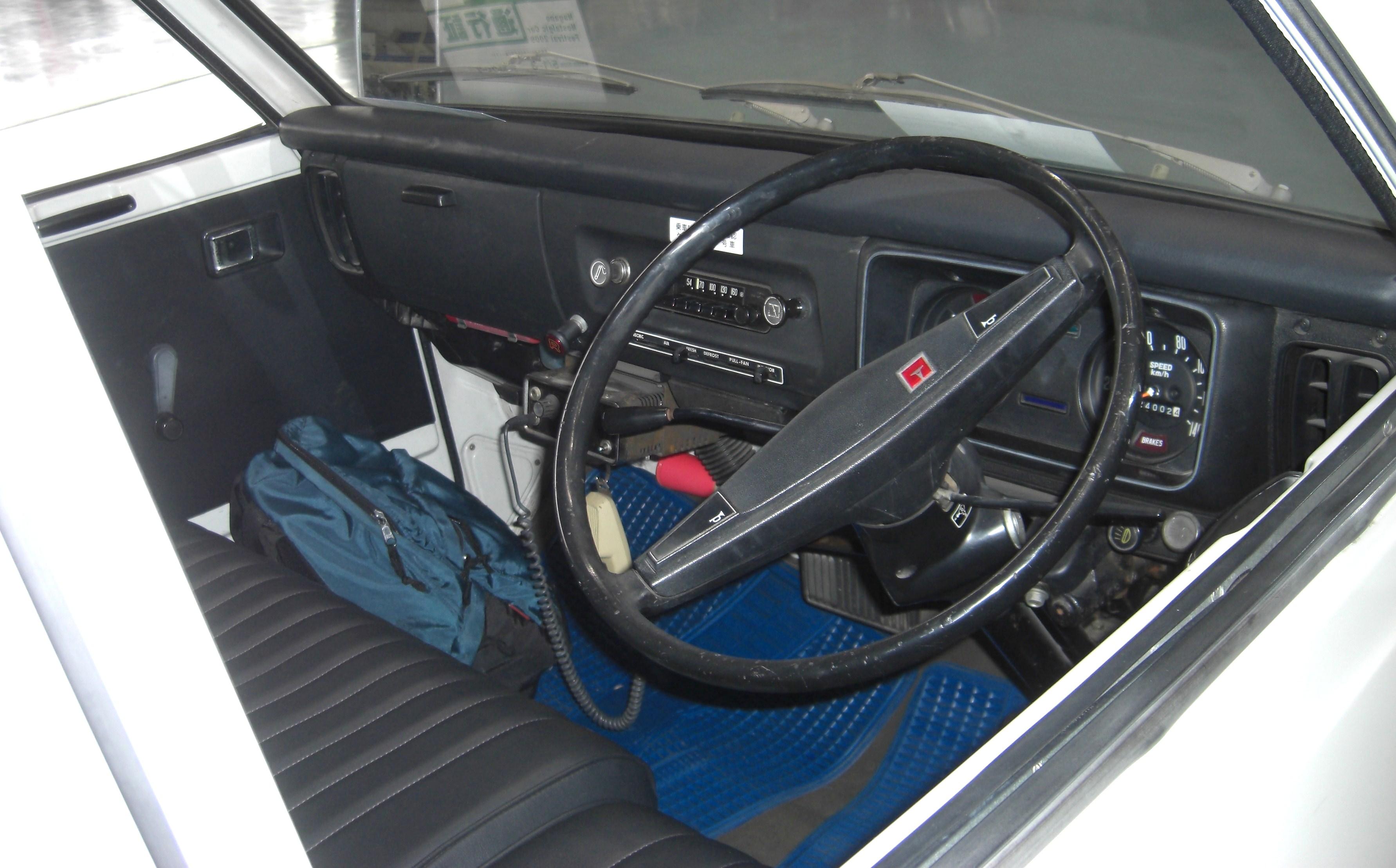 File Toyota Liteace M10 Interior Jpg Wikimedia Commons