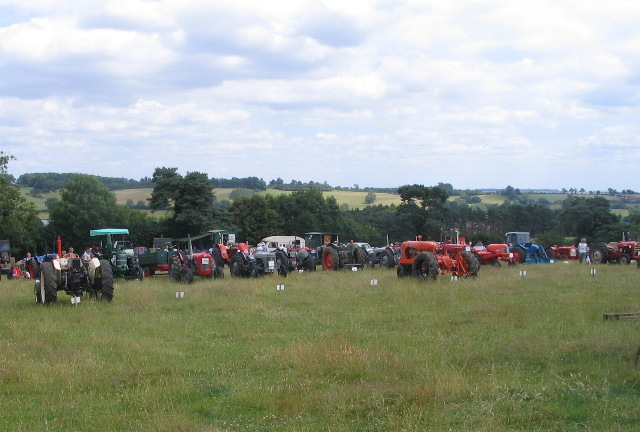 Tractors at large - geograph.org.uk - 1387764