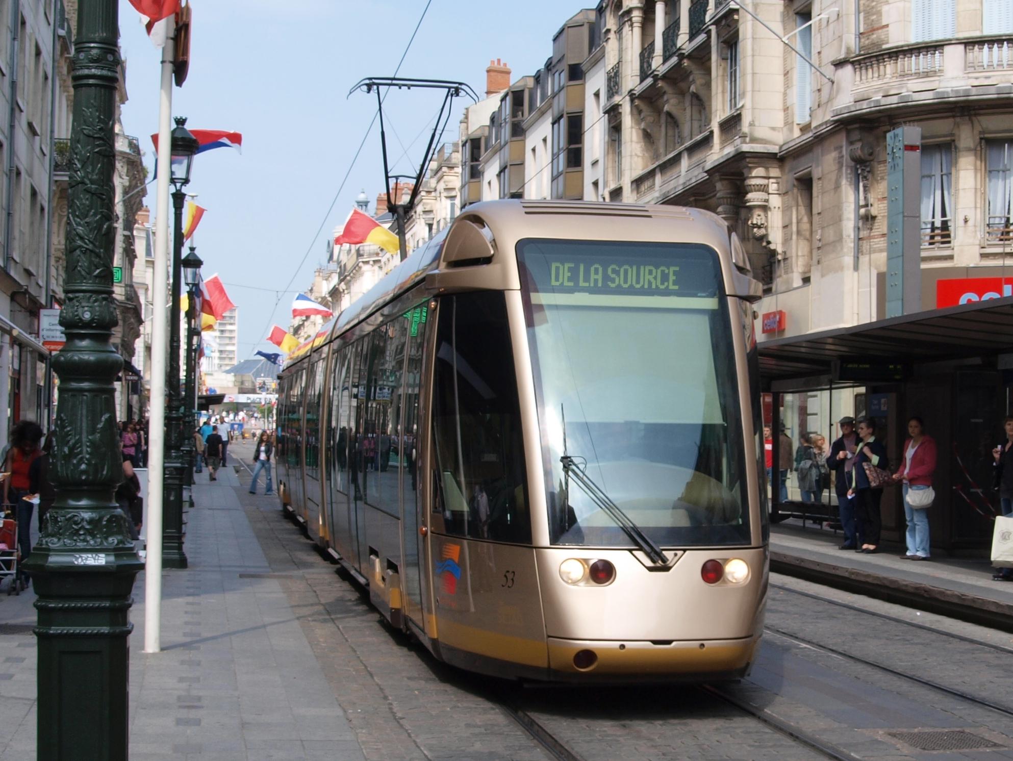 file tram at orleans france car 53 direction de la source jpg wikimedia commons. Black Bedroom Furniture Sets. Home Design Ideas