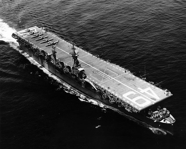 USS Wright (CVL-49) в море