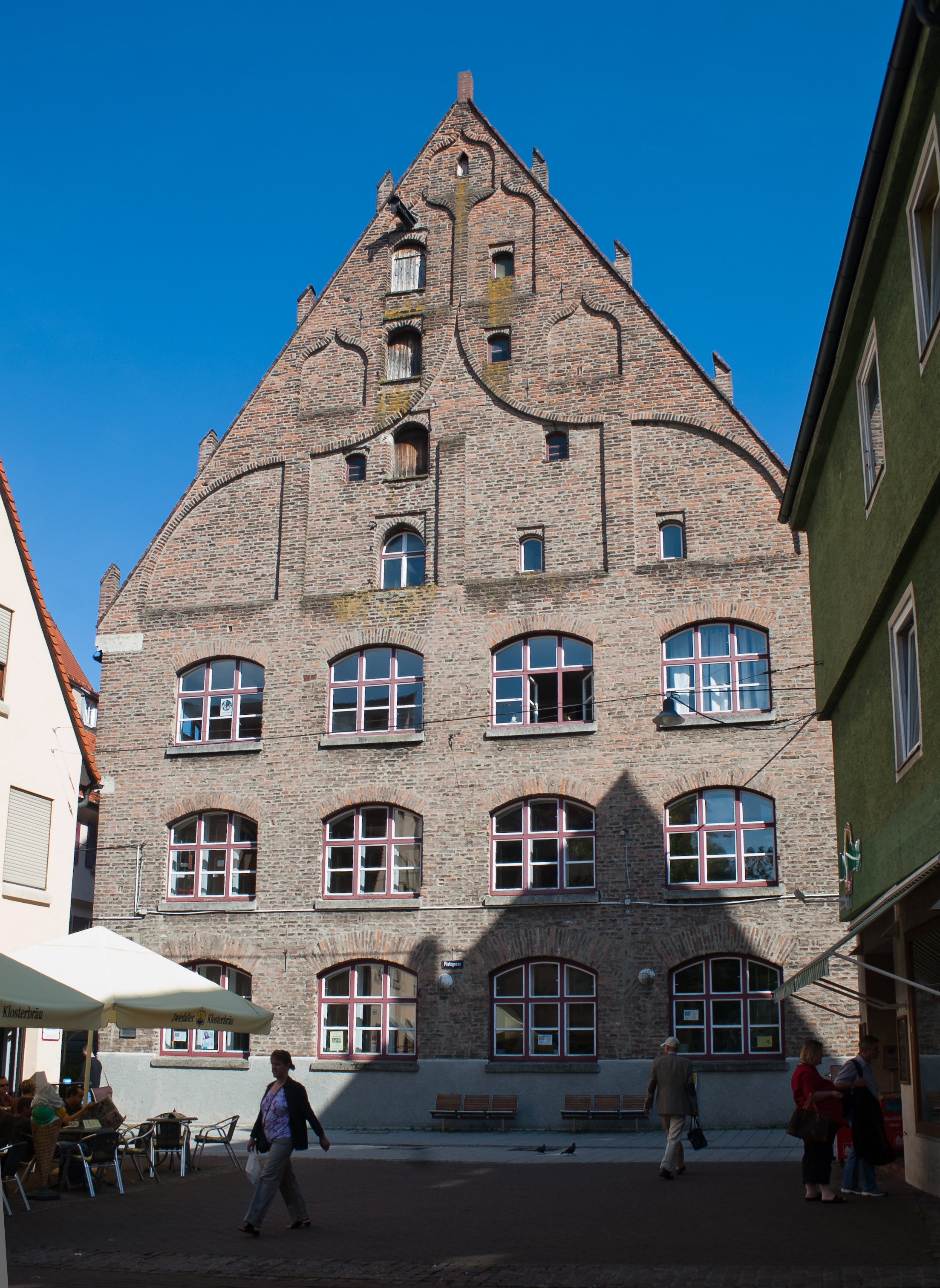 Ulm_Platzgasse_18_B%C3%BCchsenstadel_2011_09_15.jpg