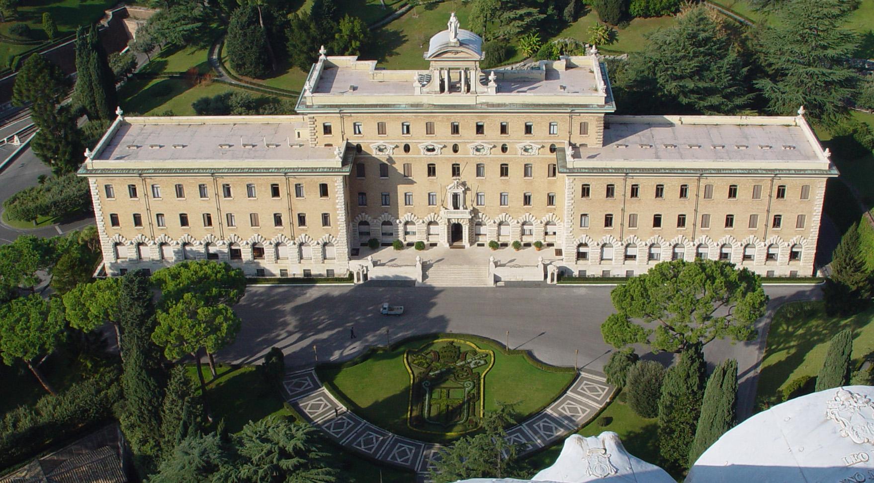 Regierungspalast, gesehen von der Kuppel des Petersdomes