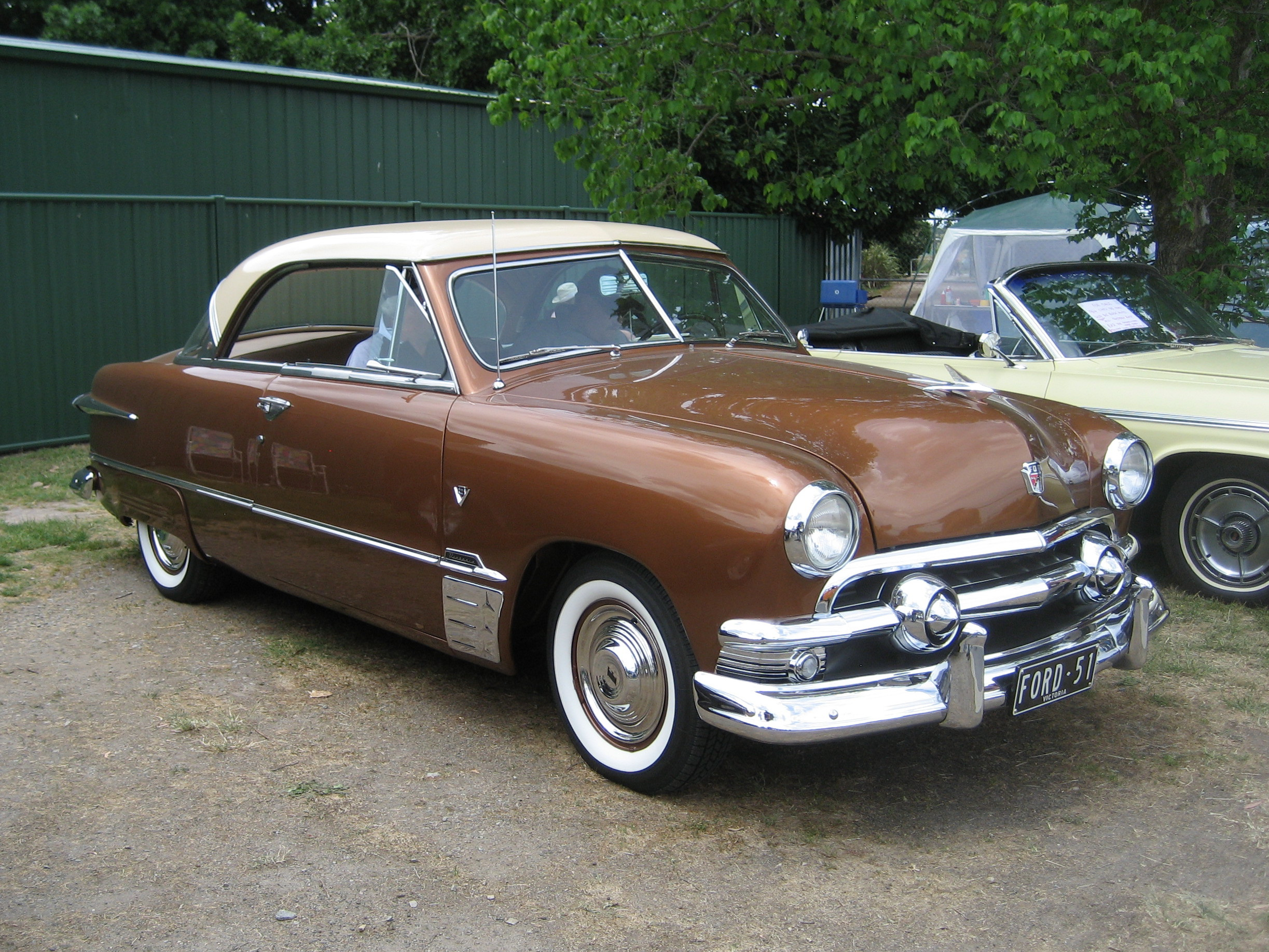 File:1951 Ford Victoria Coupe