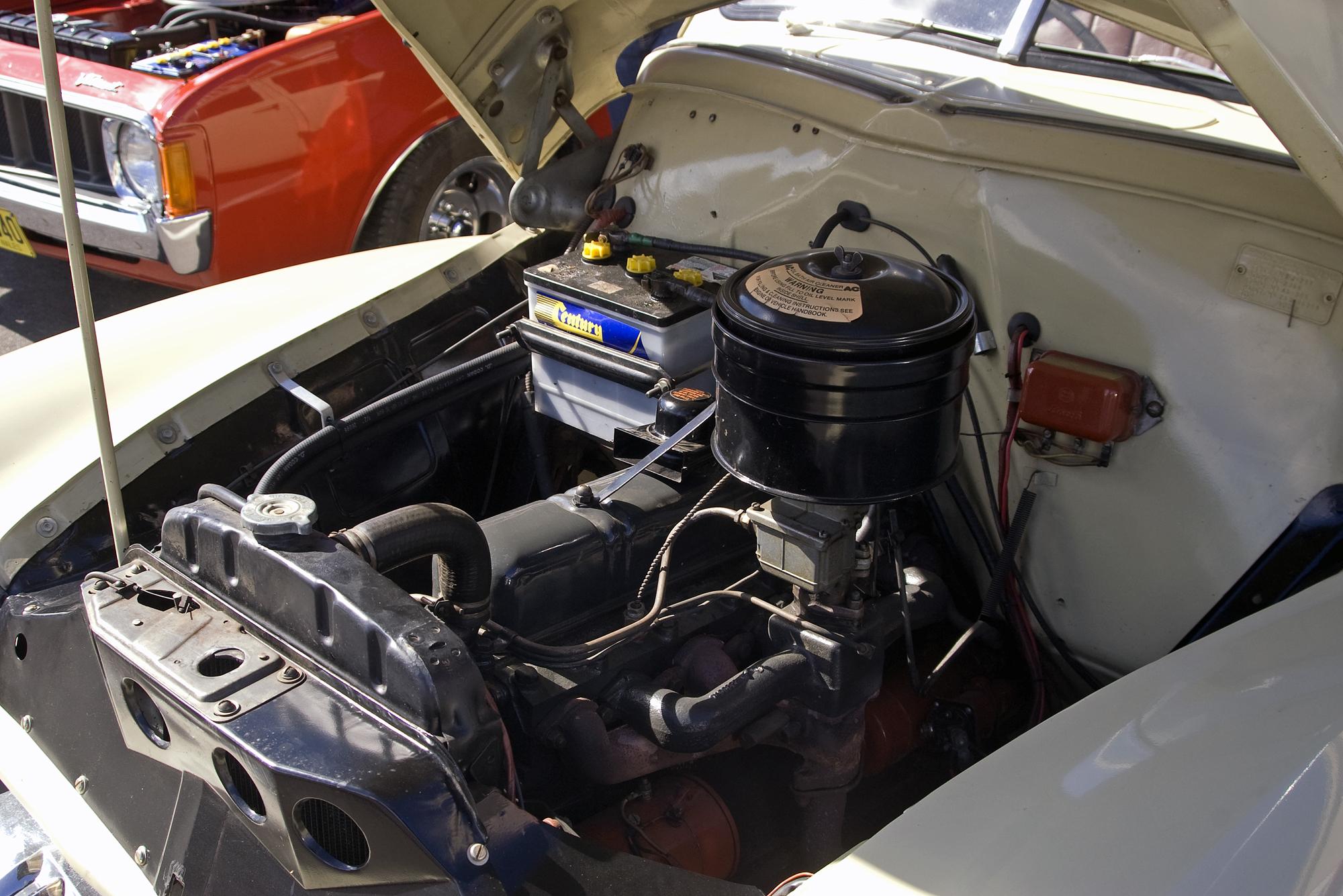 File 1953 1956 Holden Fj Engine Jpg Wikimedia Commons