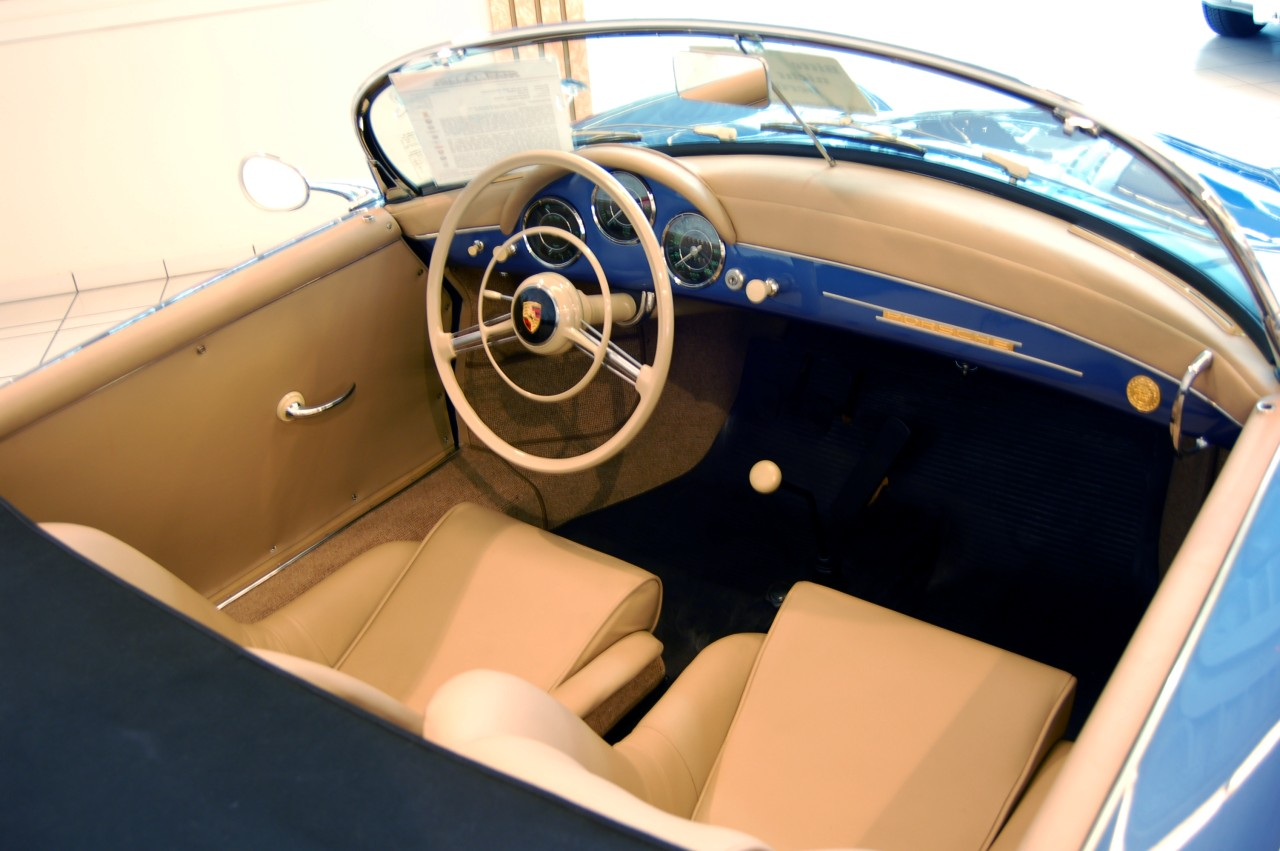 File 1957 Blue Porsche 356 Speedster Interior Jpg Wikimedia Commons