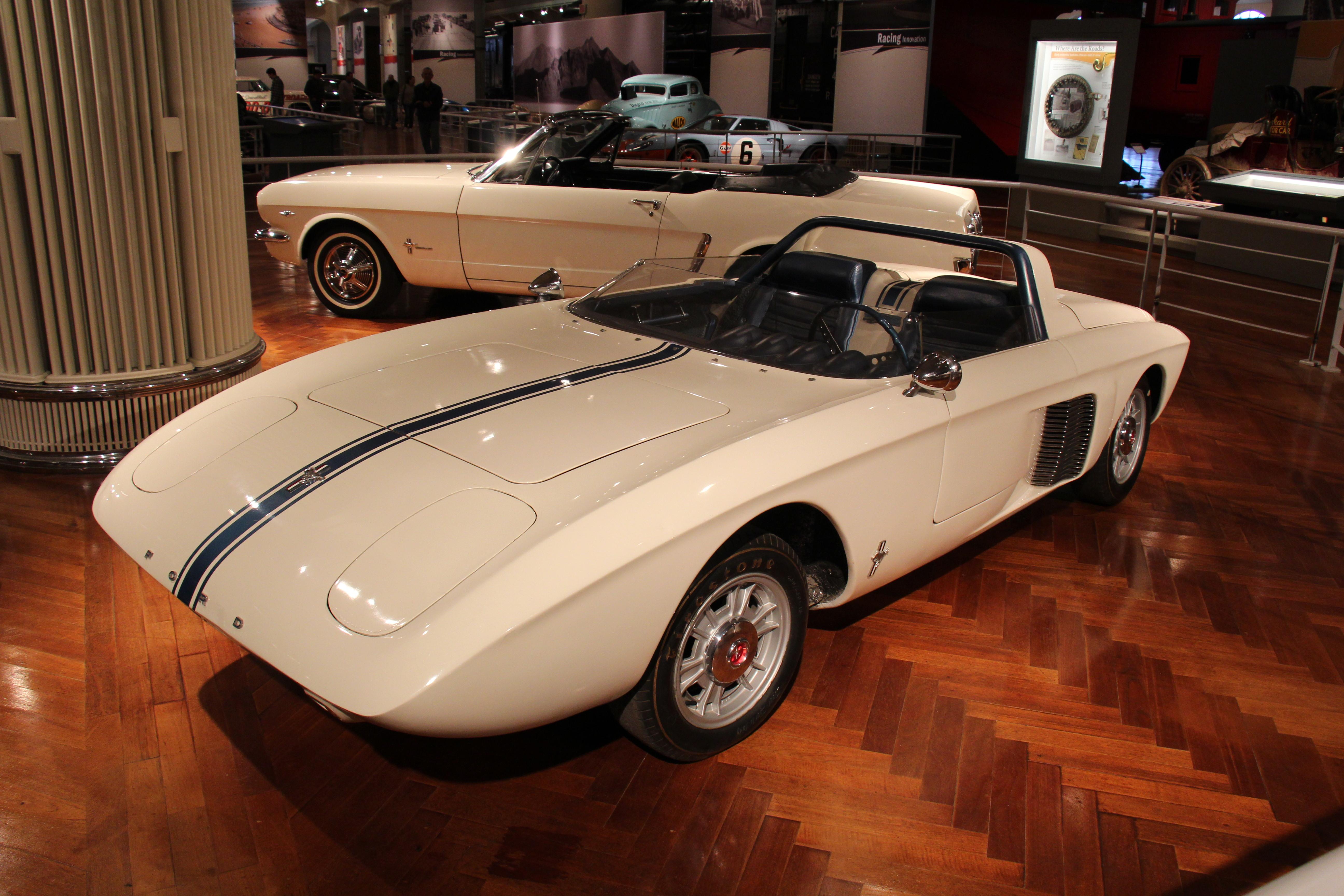 Ford Mustang — Вікіпедія