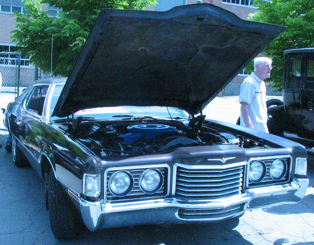 File1972 Ford Thunderbird Auto Classique Laval 11
