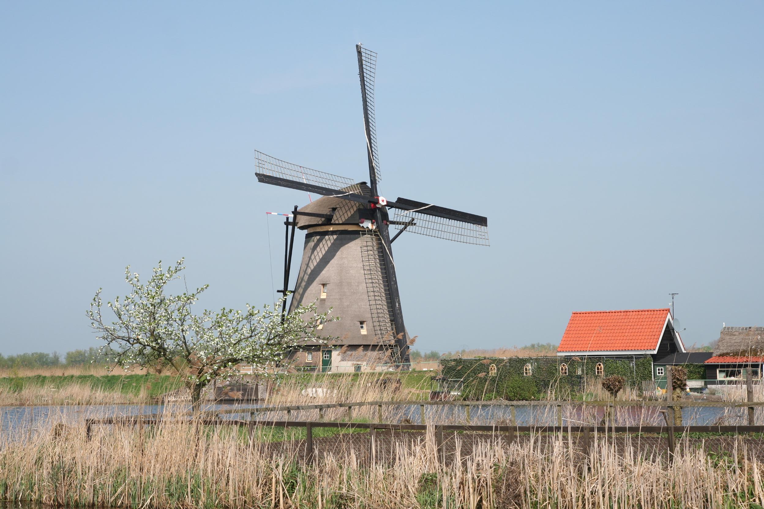 File:19 Windmills, Kinderdijk, Holland.JPG - Wikimedia Commons