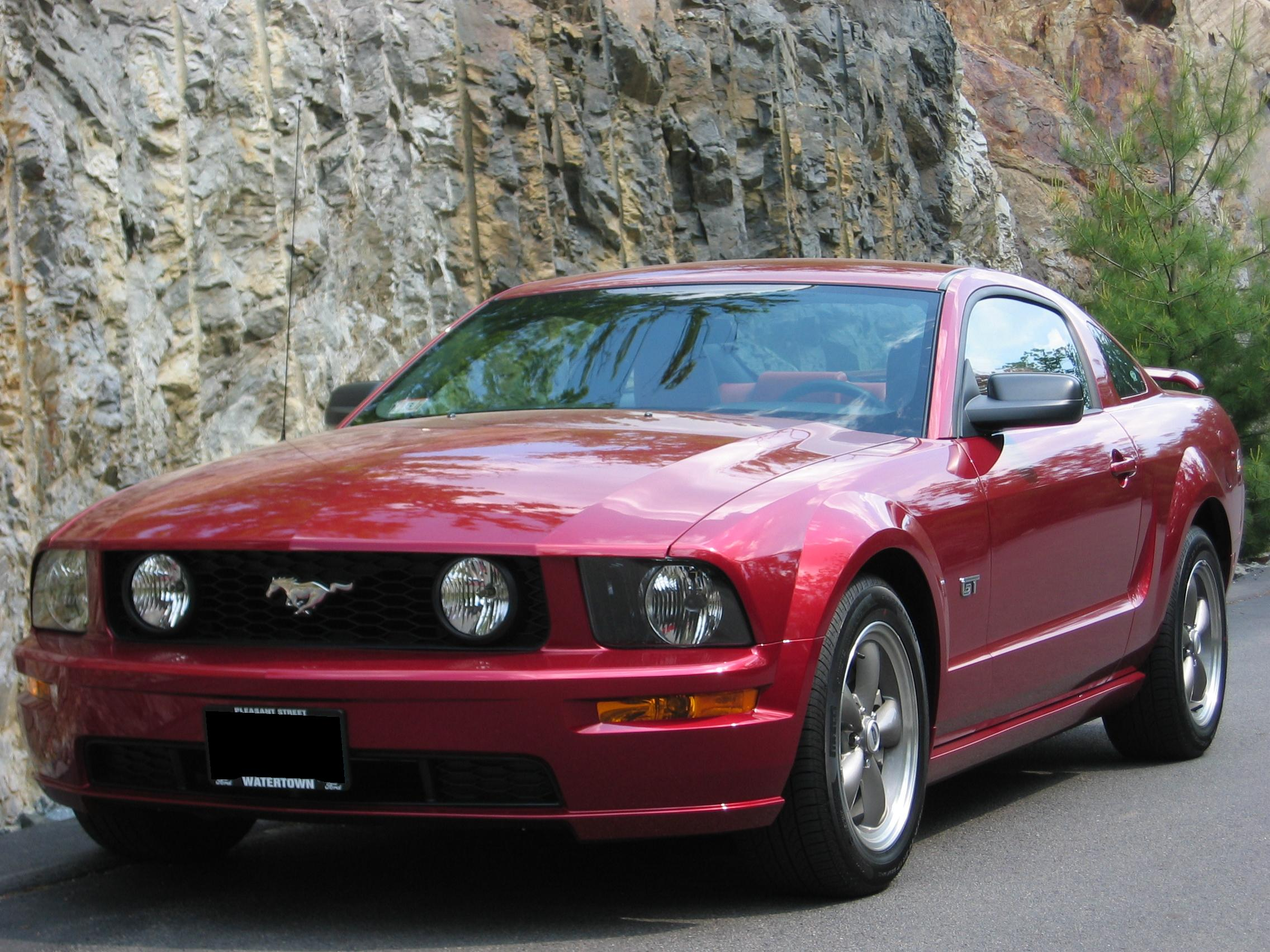 file 2005 ford mustang gt coupe in redfire with bullitt. Black Bedroom Furniture Sets. Home Design Ideas