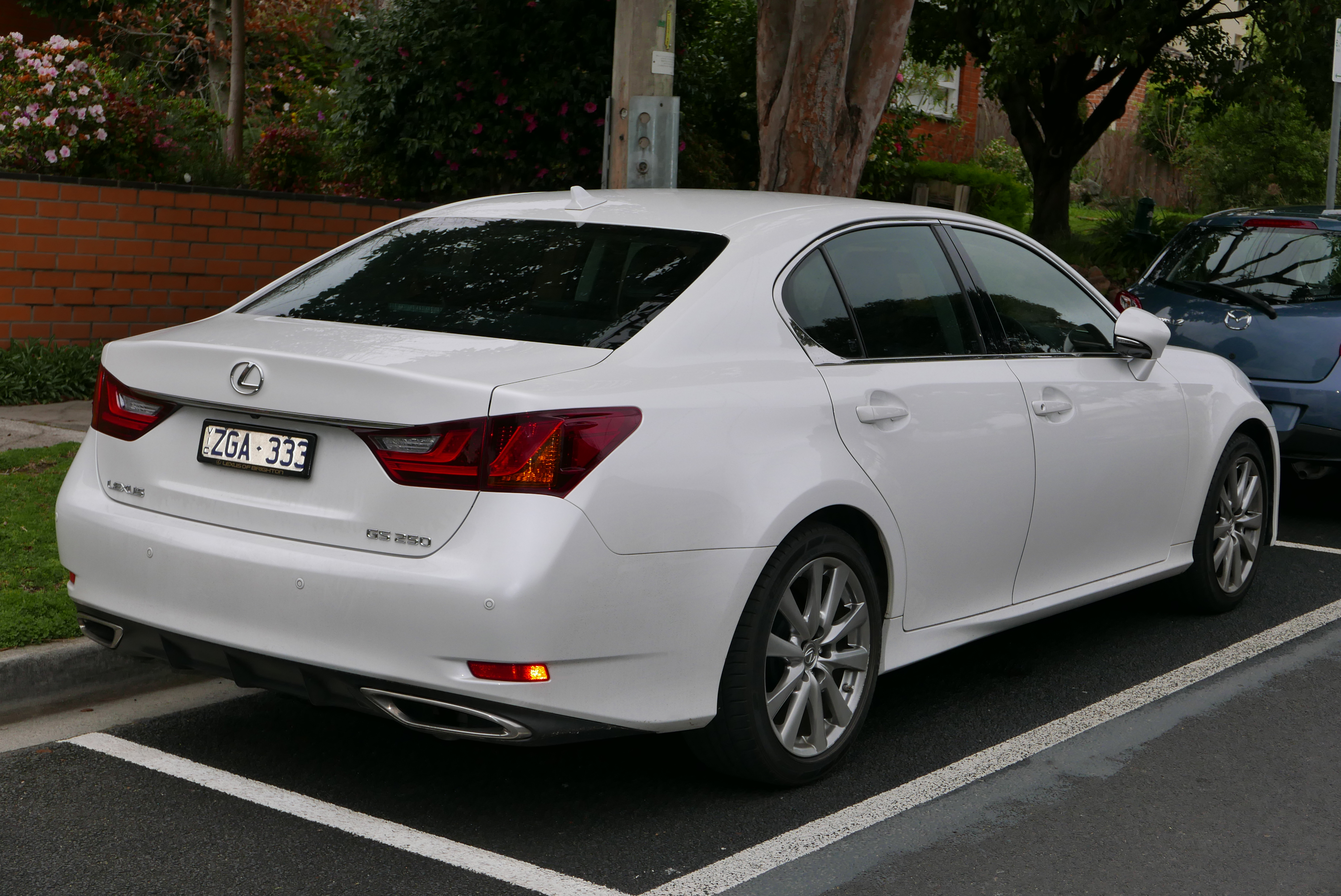reviews rating regard lexus and with is com trend indnets motor to