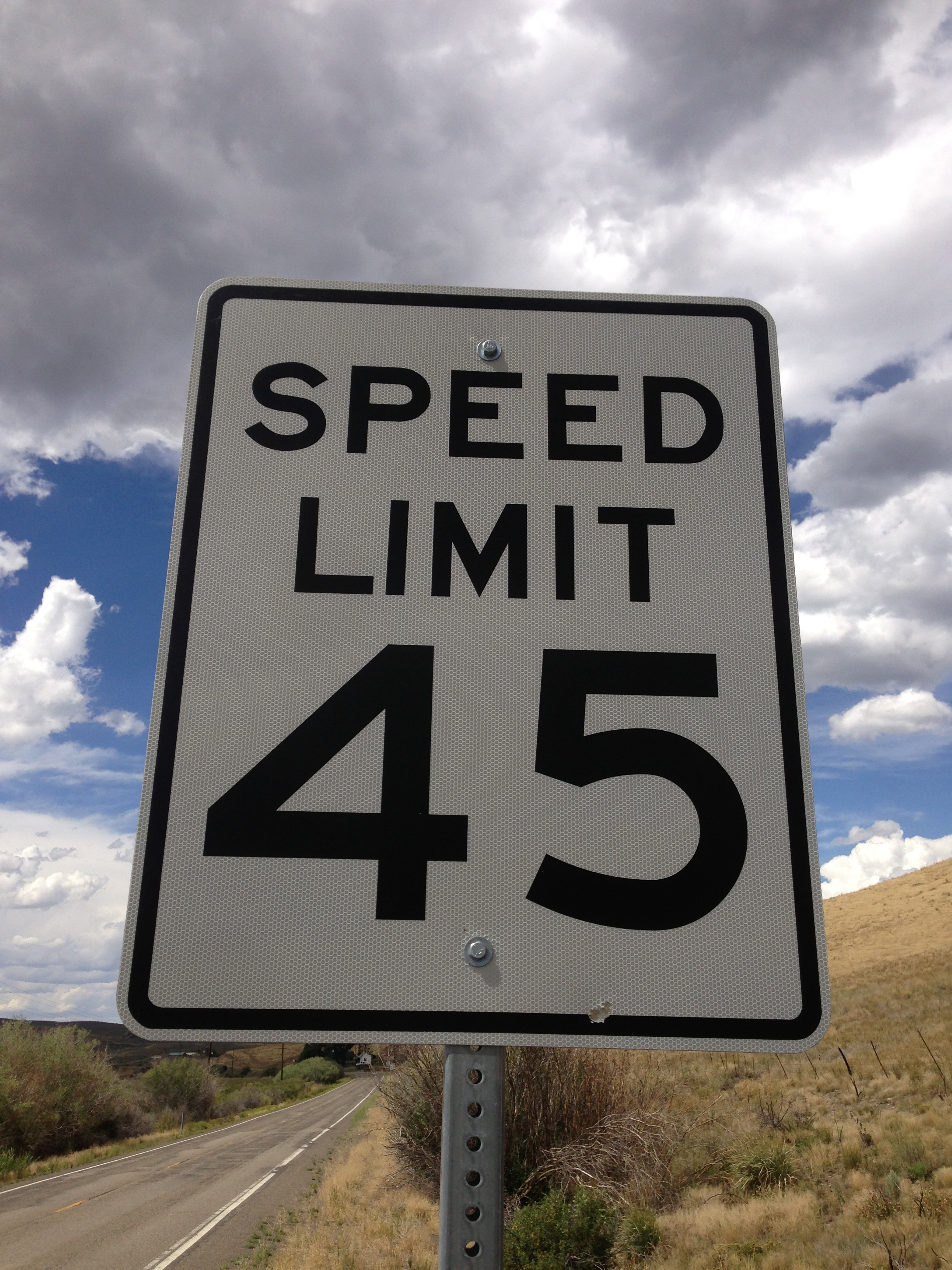 miles per hour and speed limits The first speed-limit law in the united states, which applied to automobiles  as  passed, the law upped those limits a few miles per hour, but it.