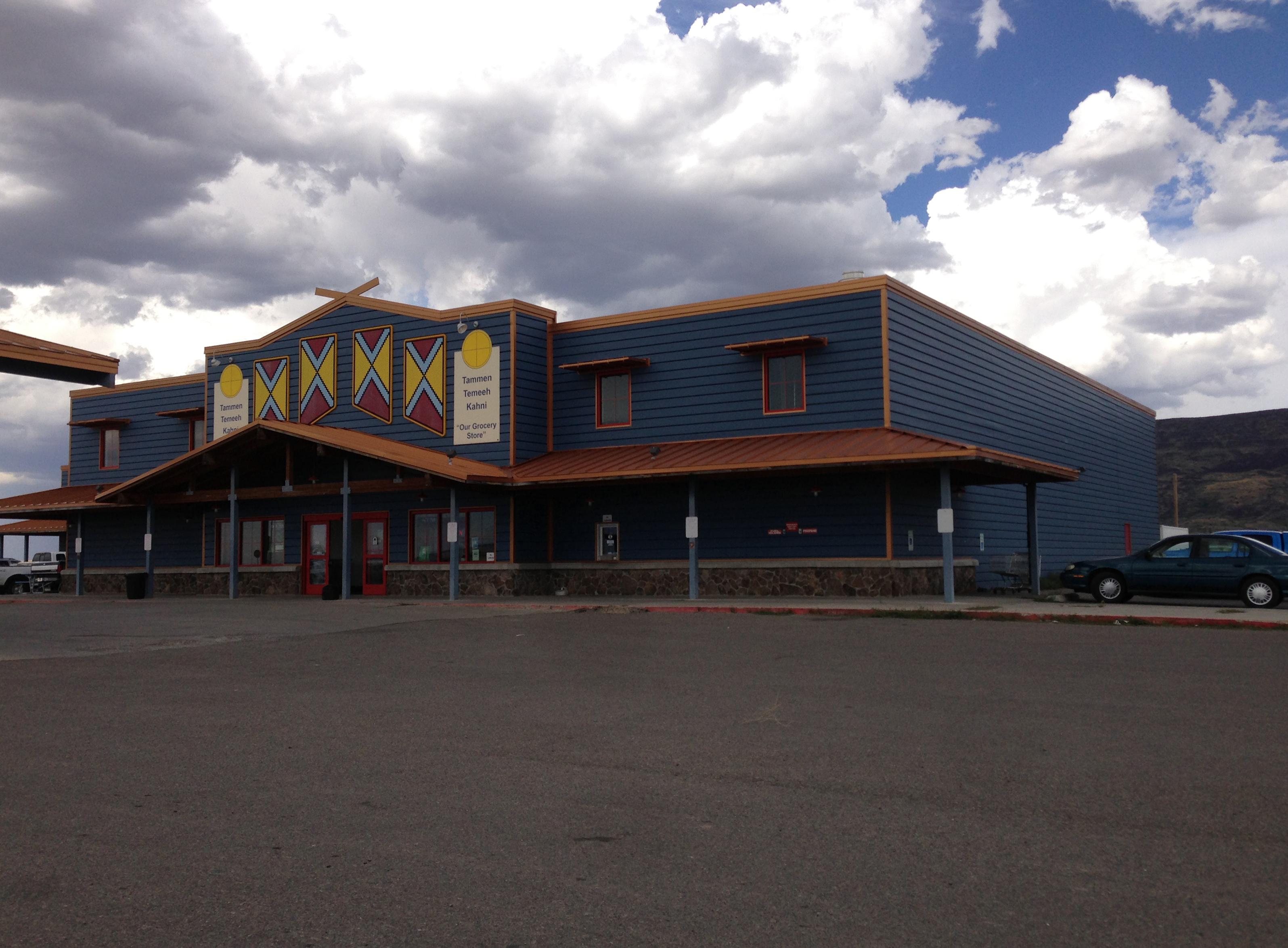 File:2014-08-19 14 31 59 Grocery store in Owyhee, Nevada ...