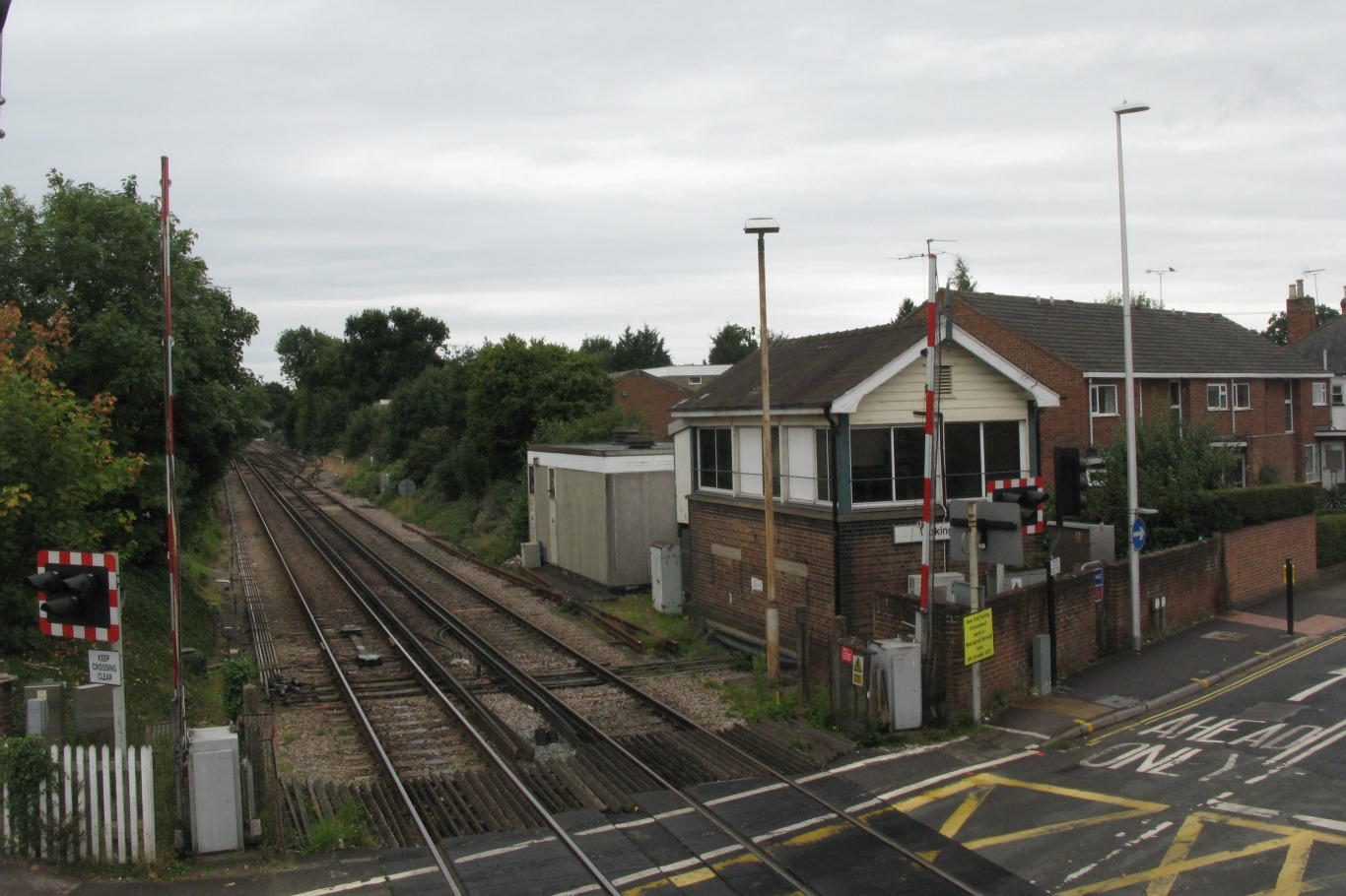 File:2017 at Wokingham station - level crossing signal box