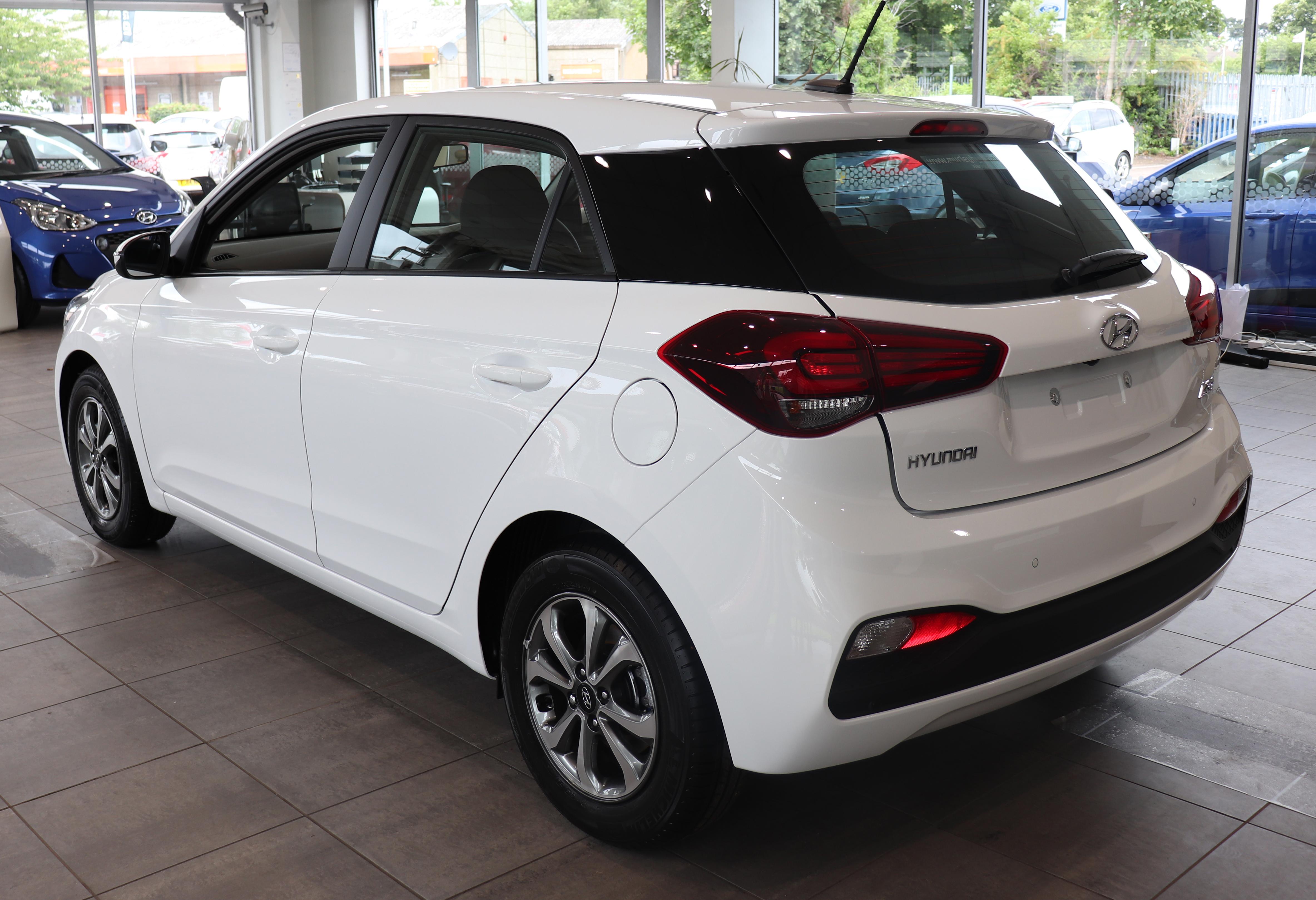 Datei:2018 Hyundai i20 facelift Rear.jpg – Wikipedia