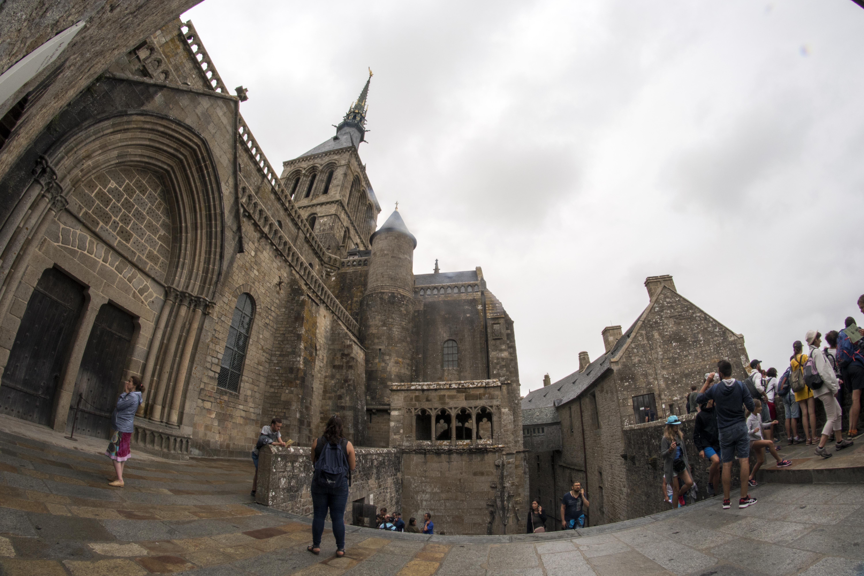 File Abbaye Du Mont Saint Michel Interior 03 Jpg Wikimedia Commons