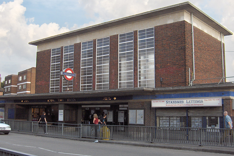 Acton Town Tube Station Wikipedia