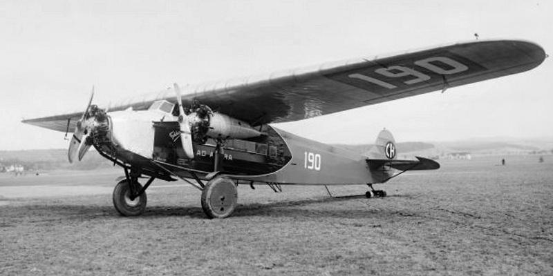 Un Fokker F.VII au sol