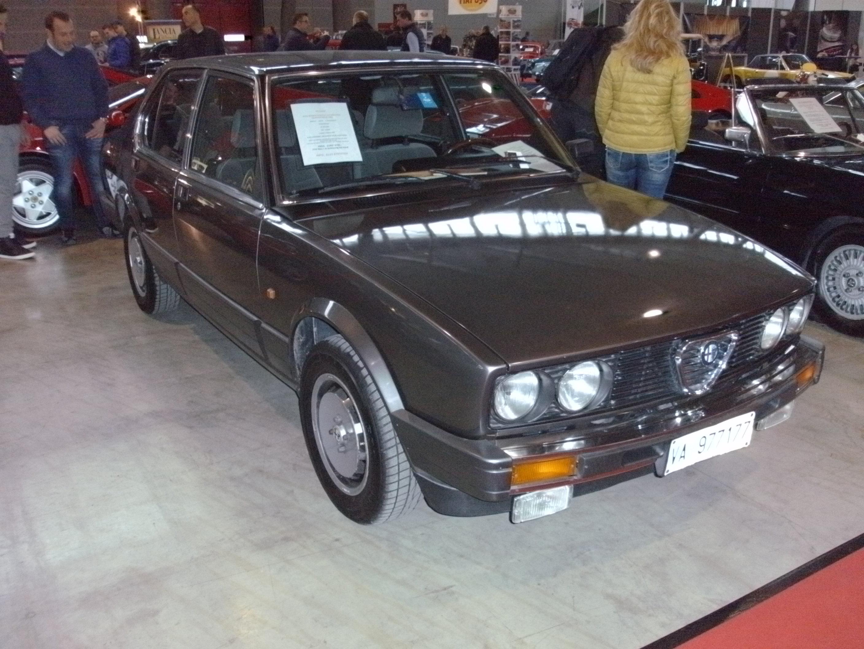 File Alfa Romeo Alfetta 2 0 1984 130 Ps Jpg Wikipedia