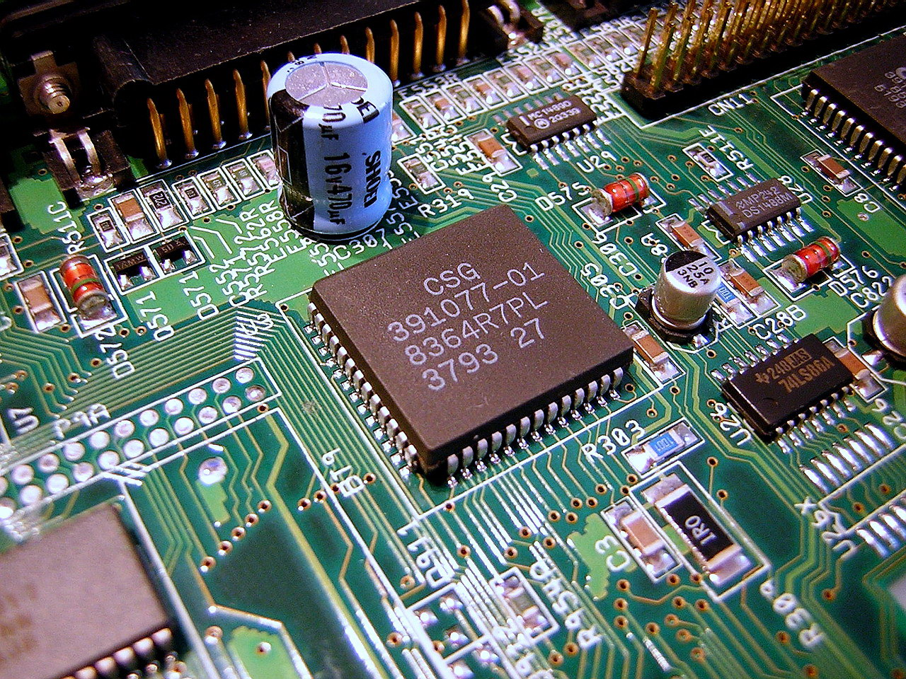 Description Amiga Custom Chip Paula 8364.jpg
