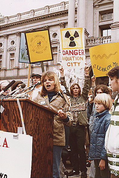 Anti-nuke_rally_in_Harrisburg_USA.jpg