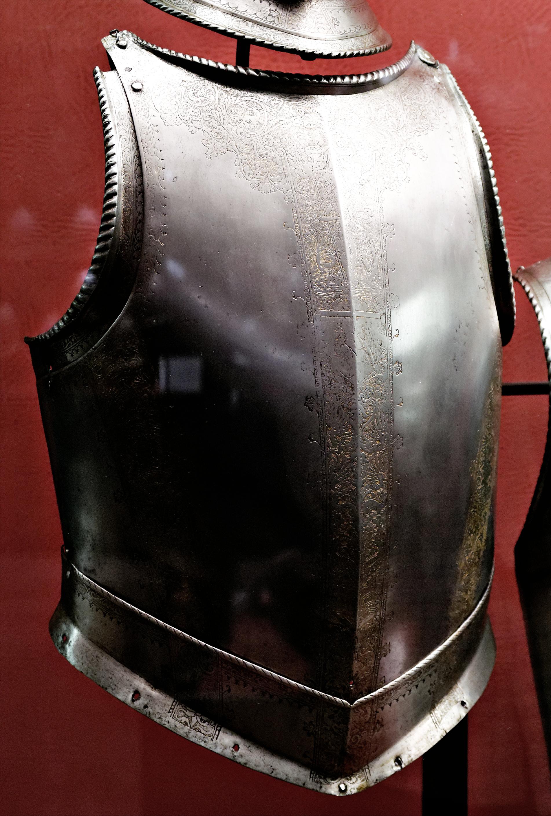 file armour of jean parisot de la valette palace armoury valletta n01 wikimedia. Black Bedroom Furniture Sets. Home Design Ideas