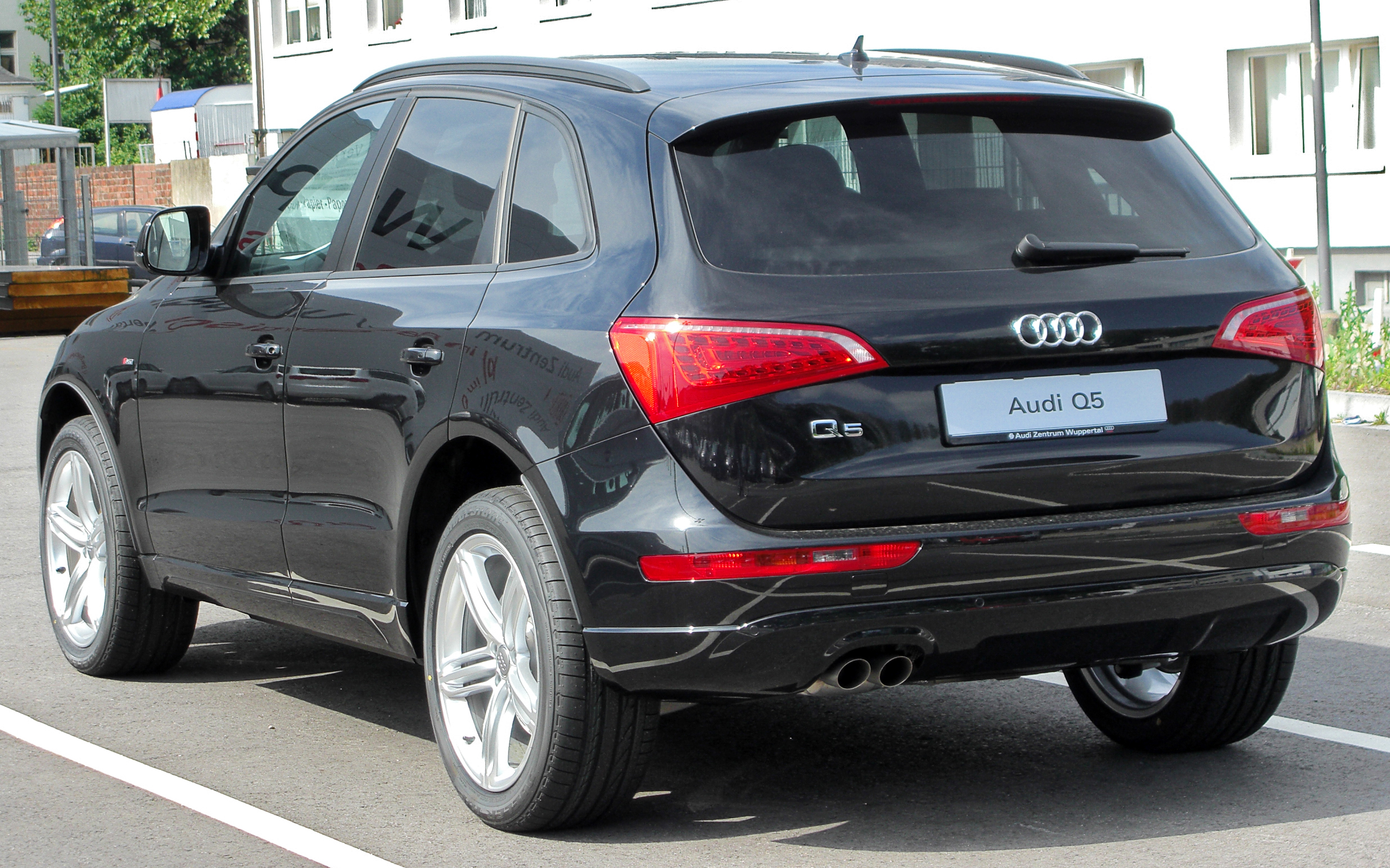 Audi Q5 Wikipedia >> File:Audi Q5 rear 20100613.jpg - Wikimedia Commons