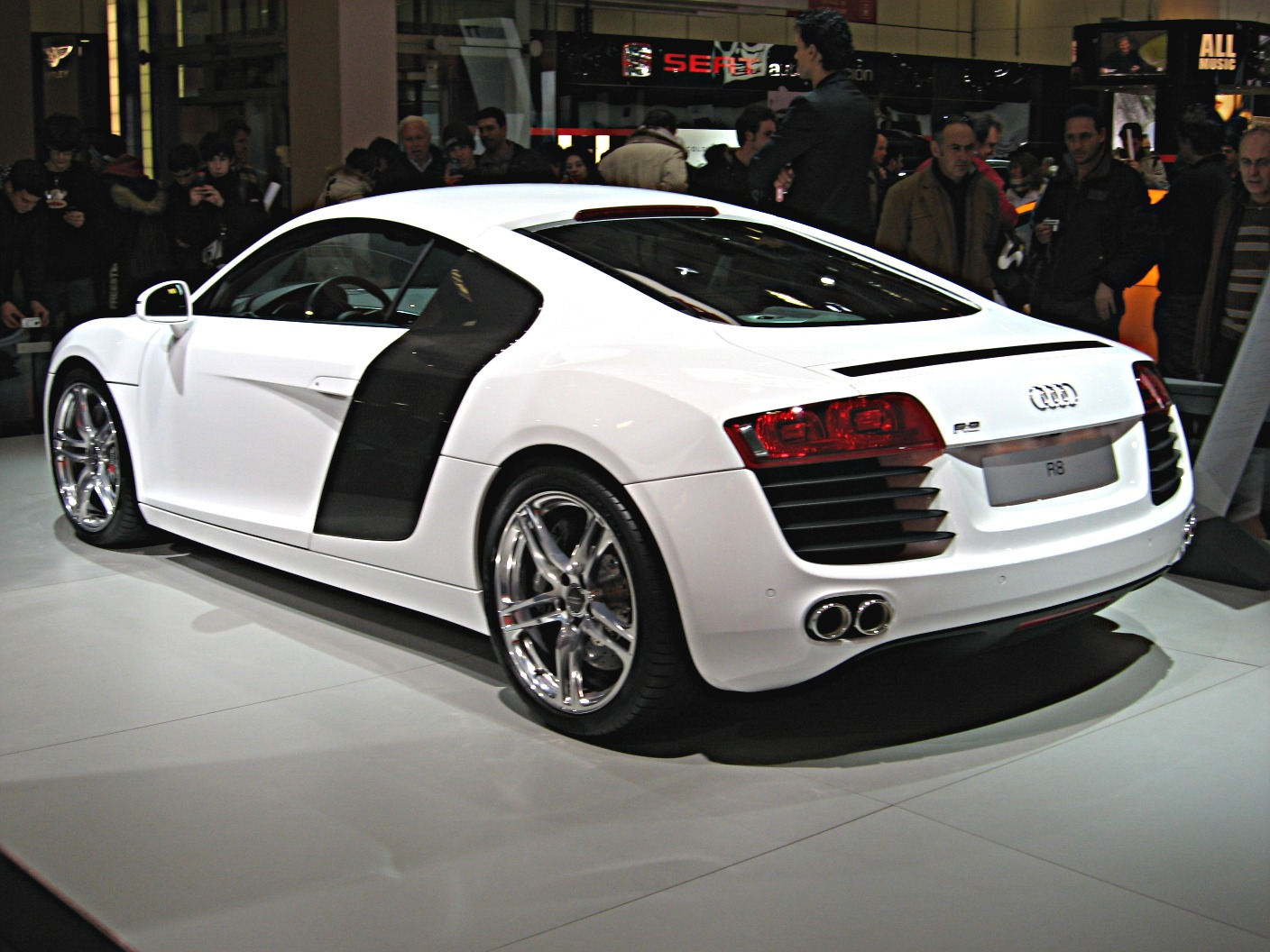 FileAudi R8 RearviewJPG  Wikimedia Commons