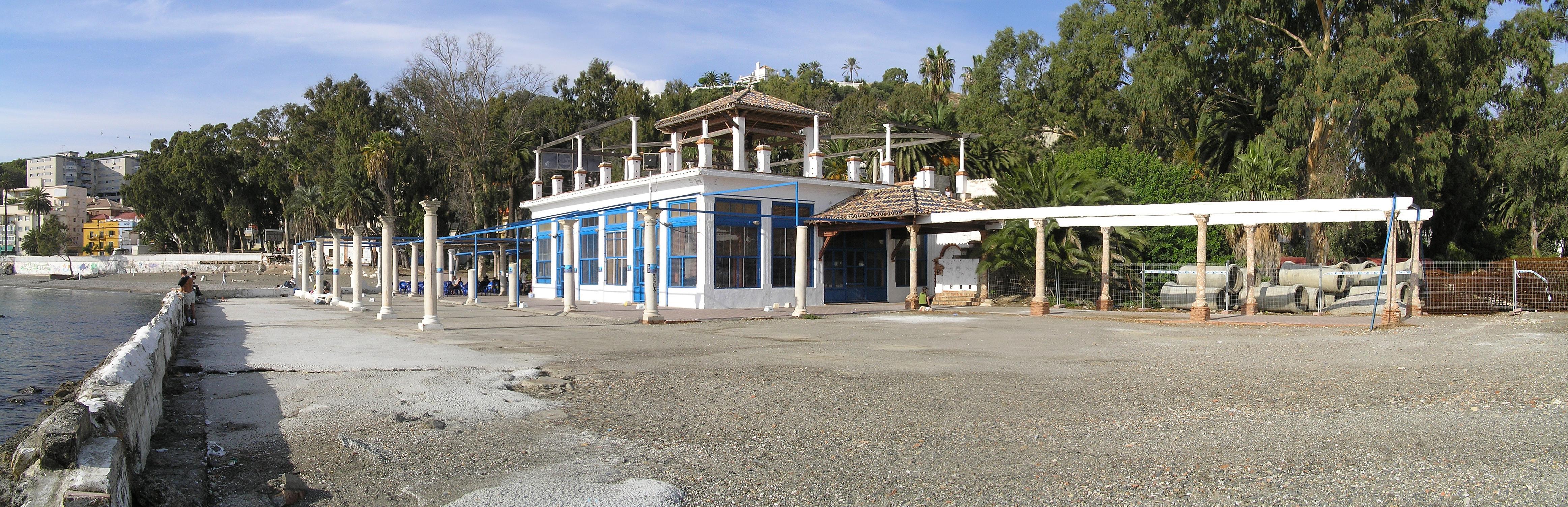 Armarios de ba o en brico depot for Armario bano