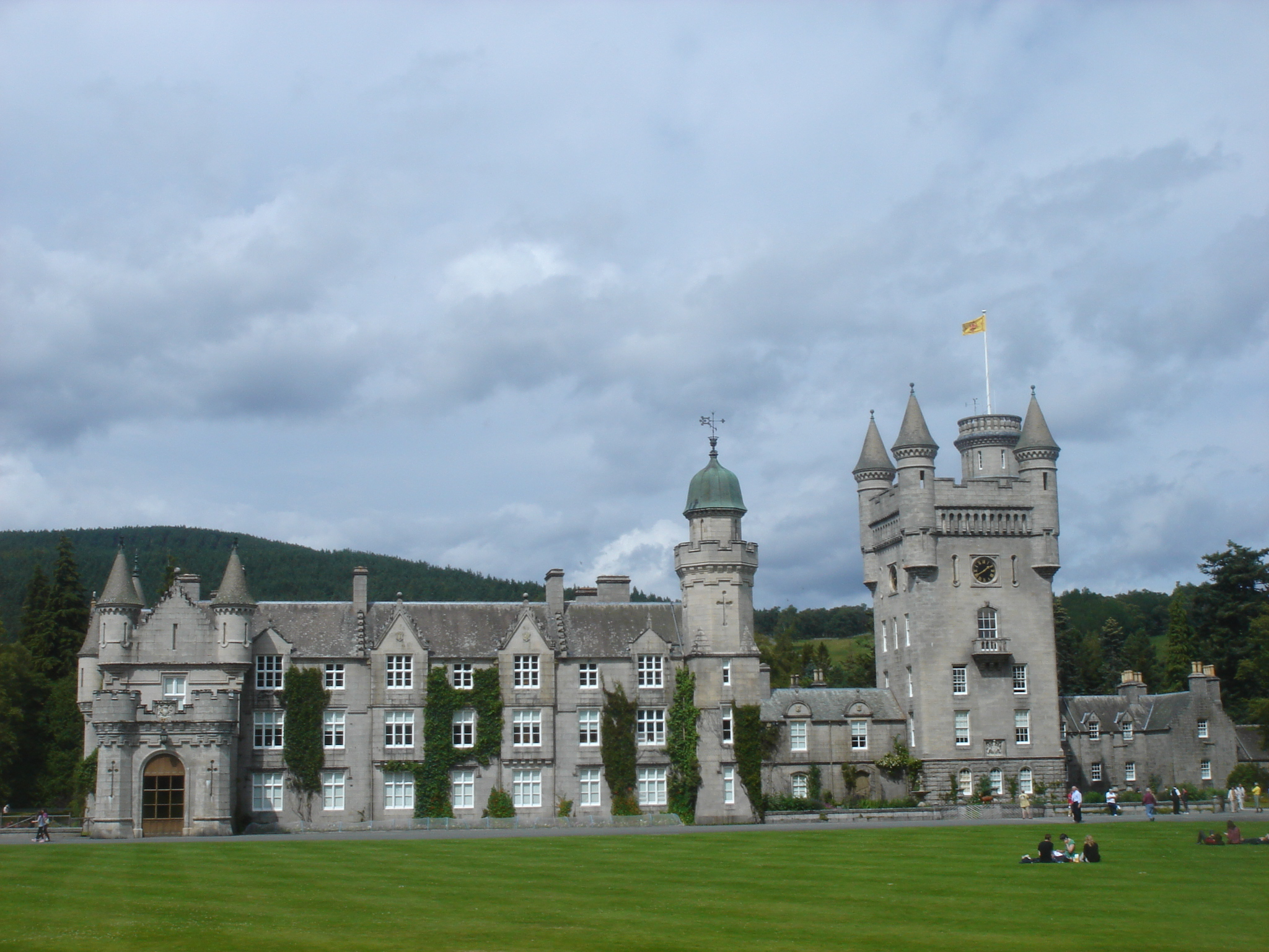 File Balmoral Castle 30 July Wikimedia Commons