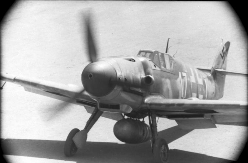 File:Bundesarchiv Bild 101I-674-7774-27, Flugzeug Messerschmitt Me 109.jpg