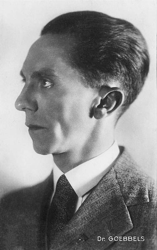 A biography of joseph goebbels