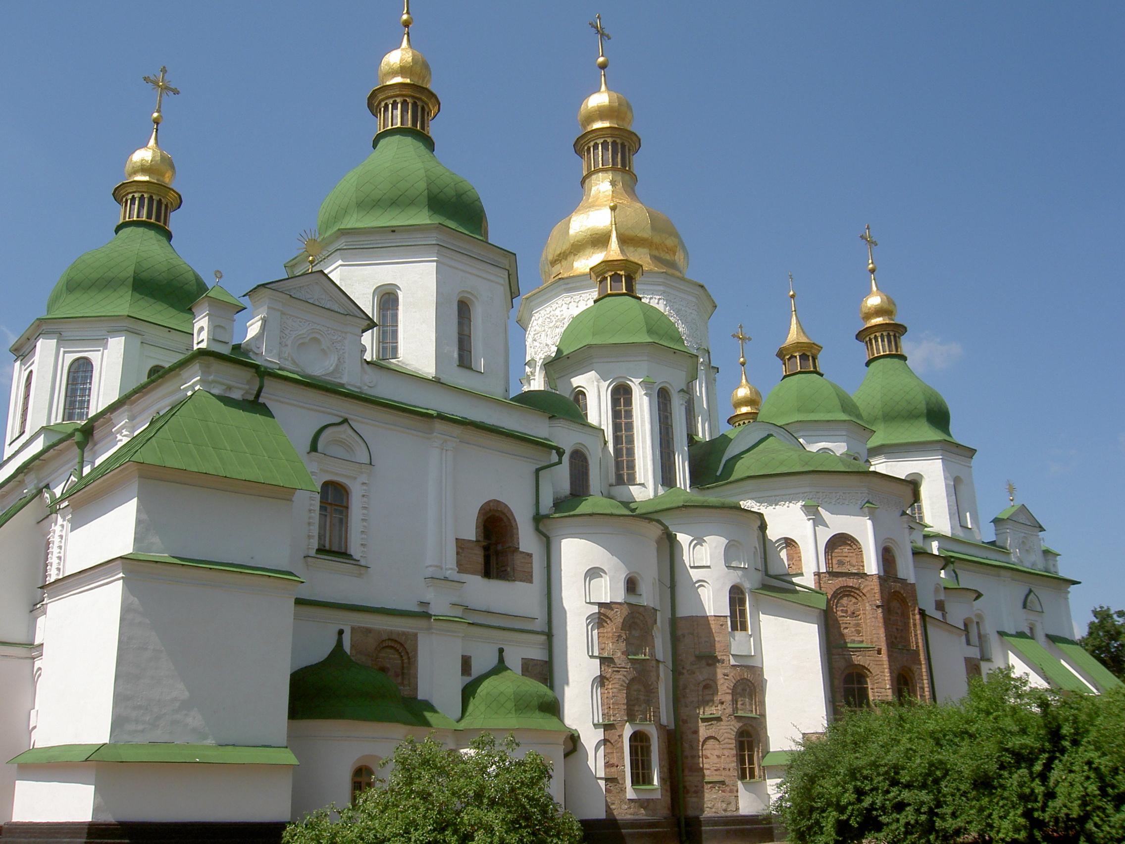 """В 1934 создан музей-заповедник  """"Софийский музей """", включающий кроме самого Софийского собора окружающий его ансамбль..."""