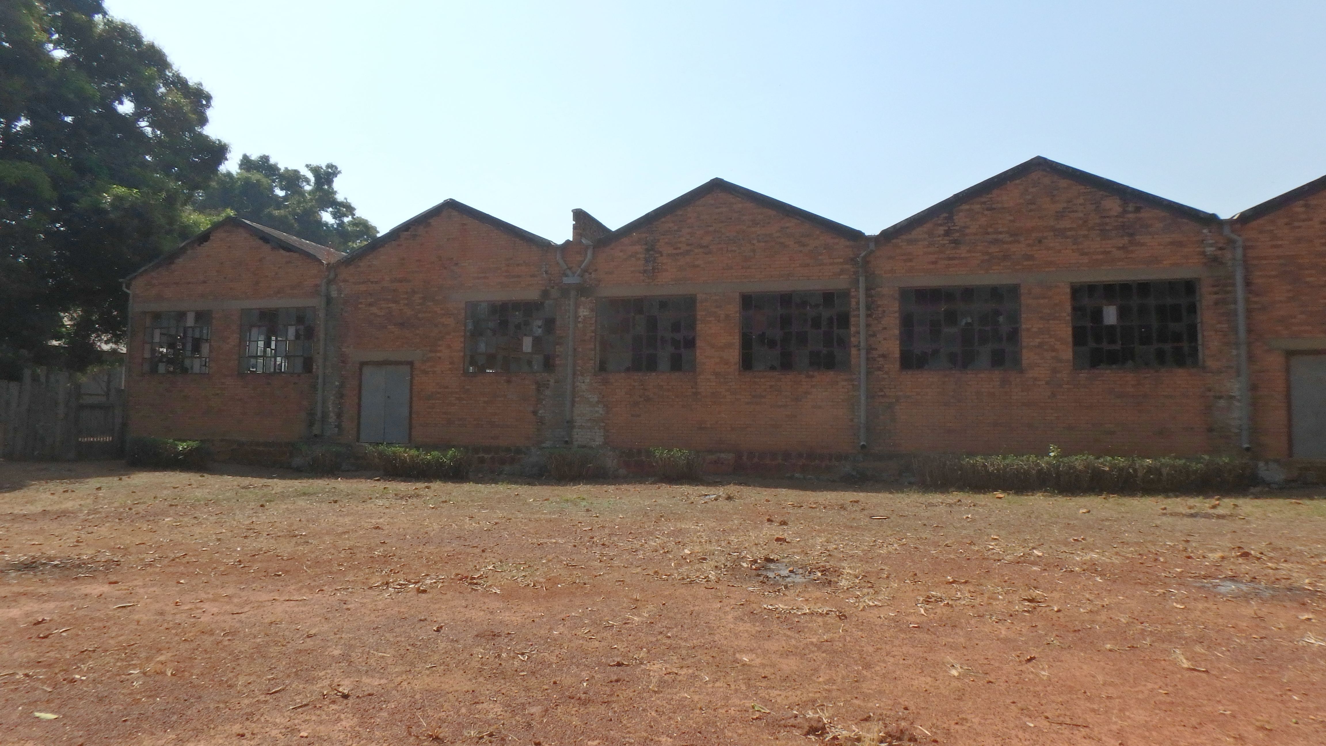 Emergency 5 171 creature factory - Cotton Factory In Nzara South Sudan Where The First Outbreak Occurred
