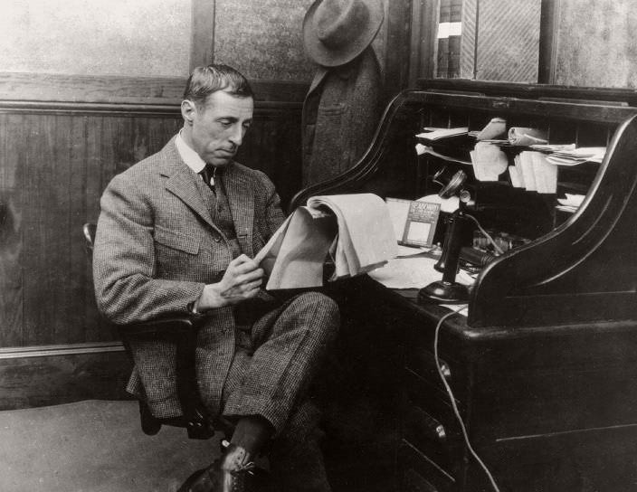 a biography of david lewelyn wark griffith Meaning: united states film maker who was the first to use flashbacks and fade-outs (1875-1948) classified under: nouns denoting people synonyms: d w griffith david lewelyn wark griffith griffith.