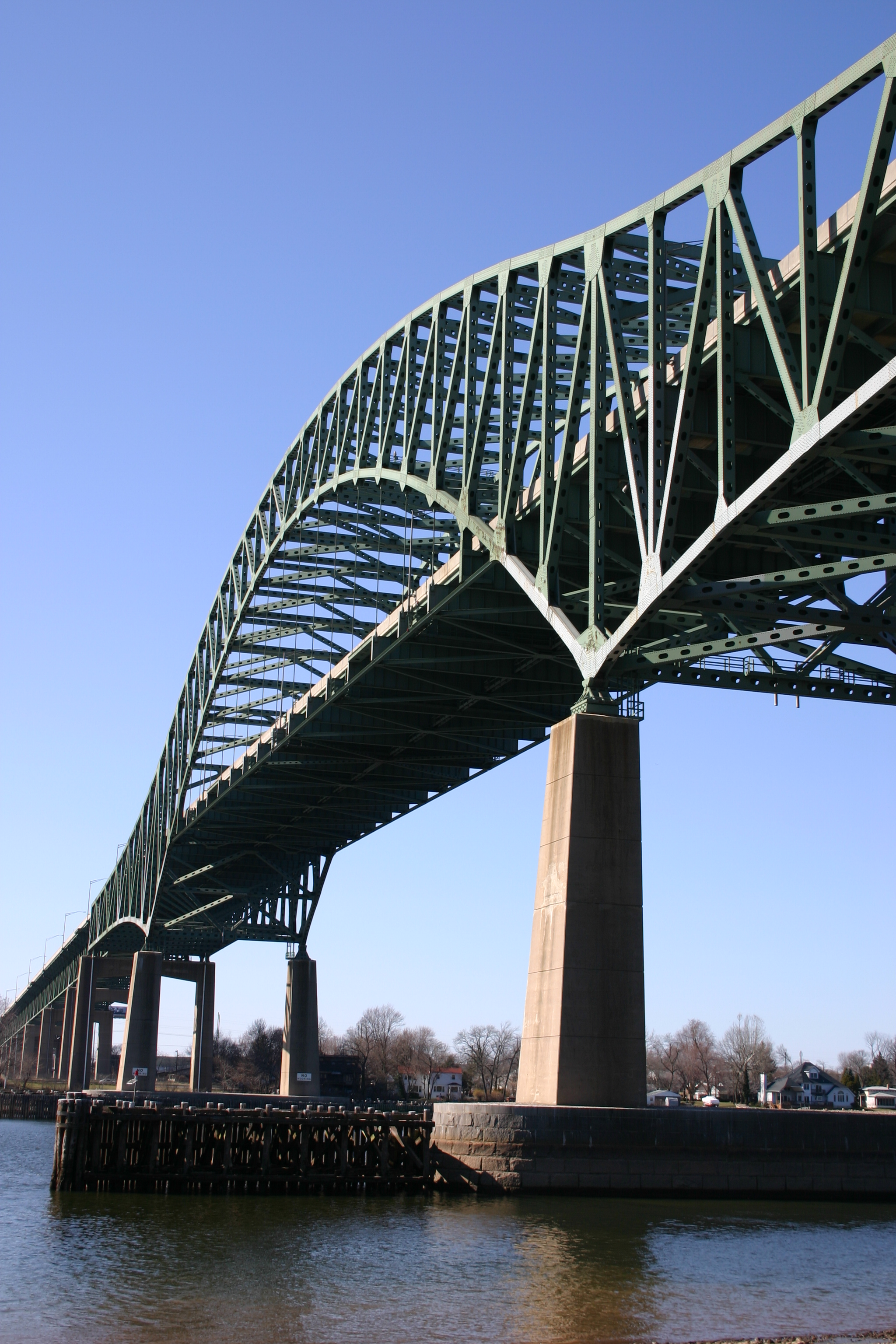 Delaware River–Turnpike Toll Bridge - Wikipedia