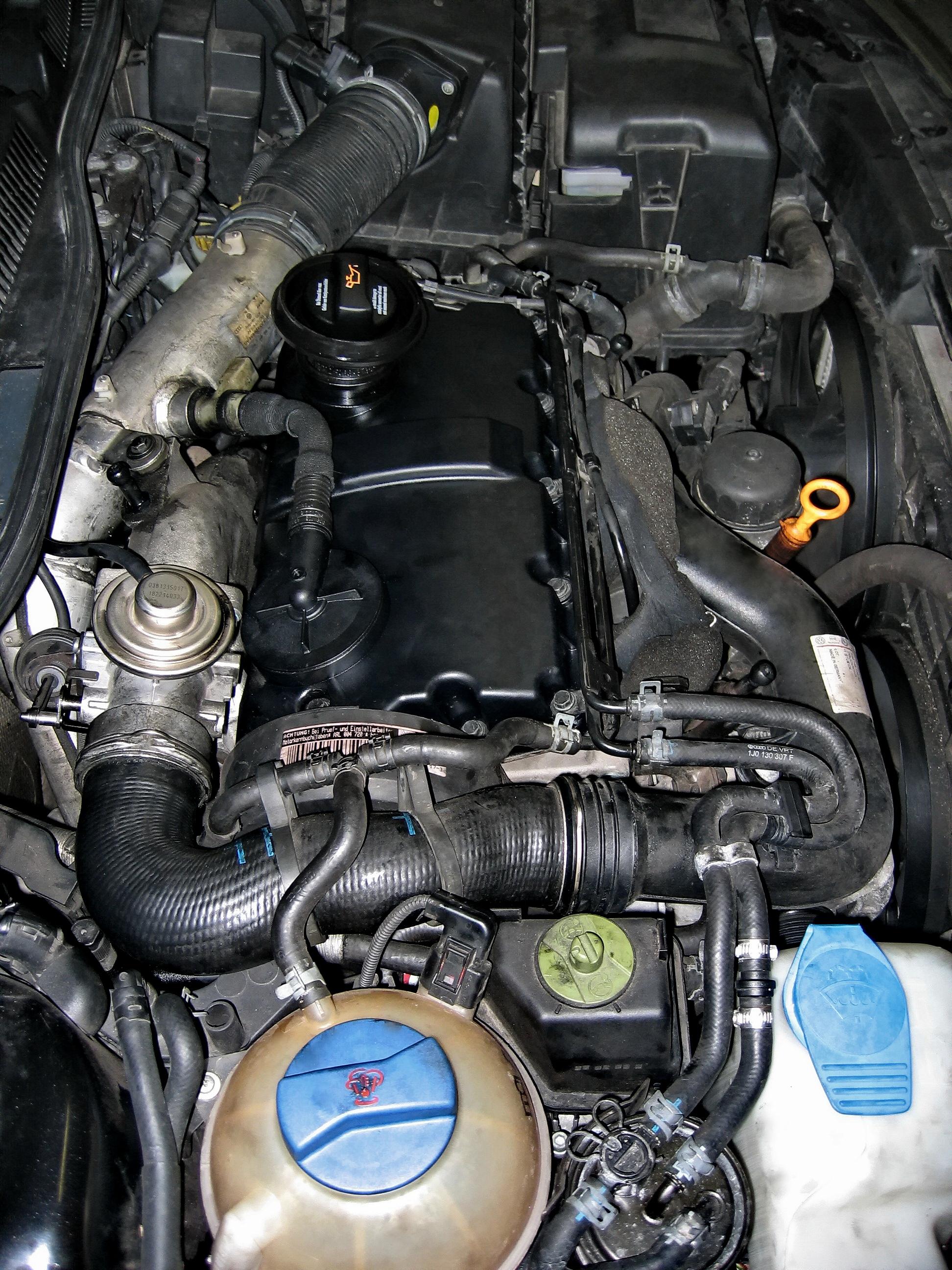 File:Dieselmotor Golf IV TDI 1.9 ARL 110kW - BJ 2001 - 128Mm ...