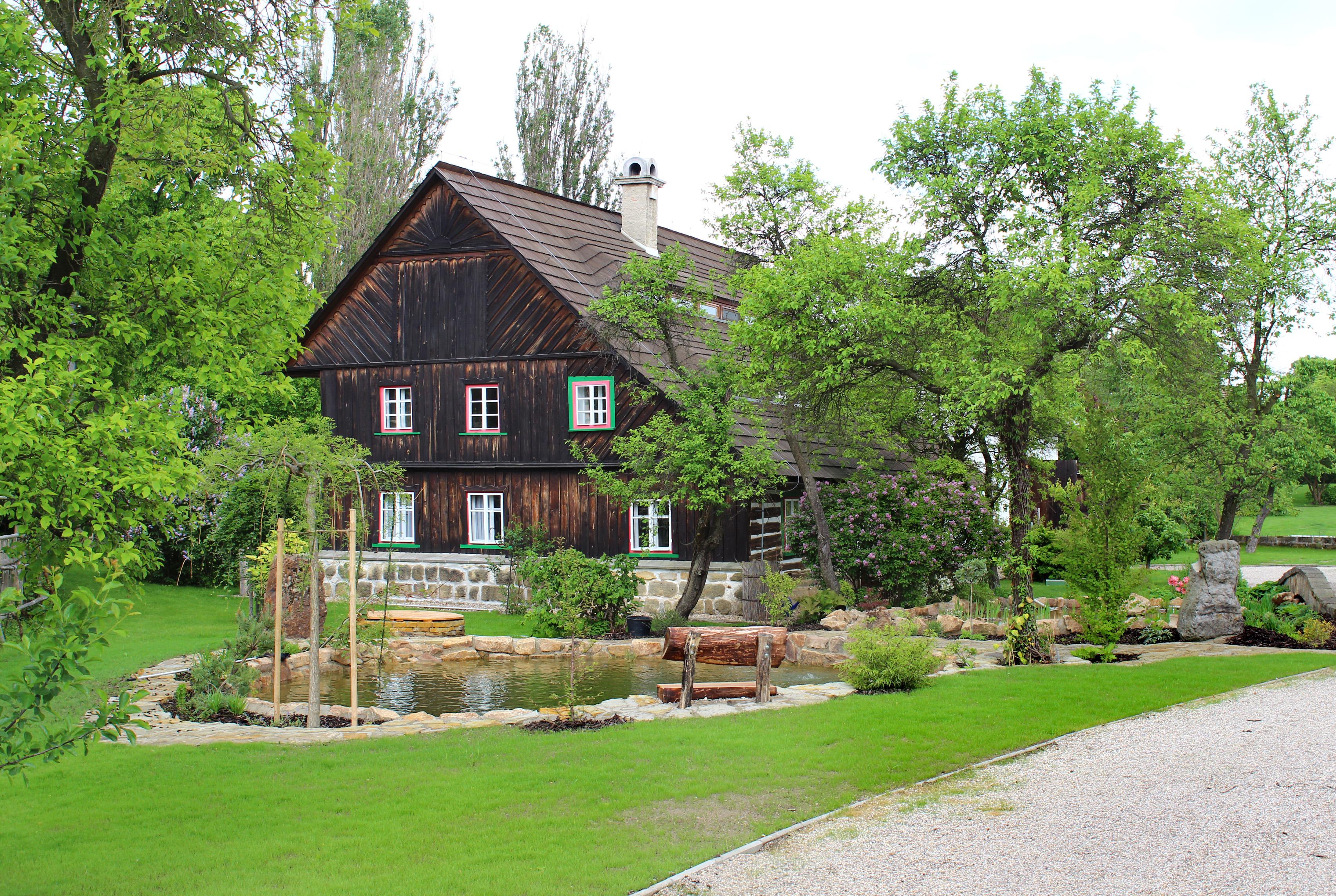 Wood House : File:Dobřeň, Střezivojice, wood house.jpg - Wikimedia Commons