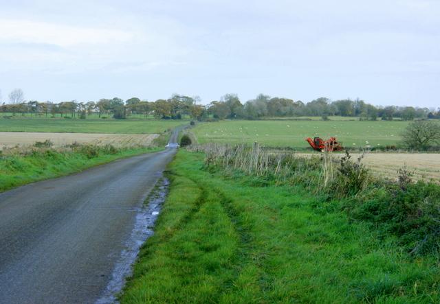 Down Road, Marshfield - geograph.org.uk - 1040911