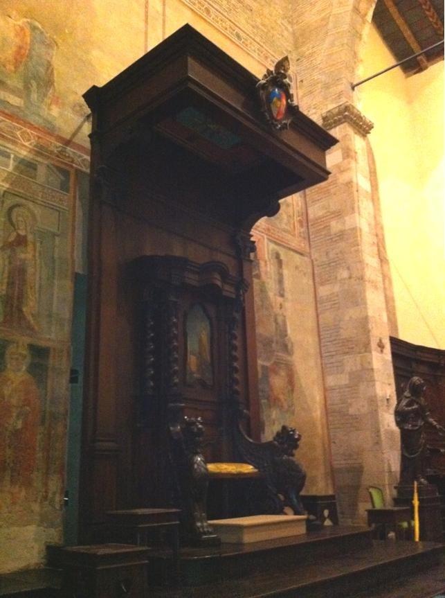 File:Duomo di Teramo (Cattedra del Vescovo).jpg - Wikimedia Commons
