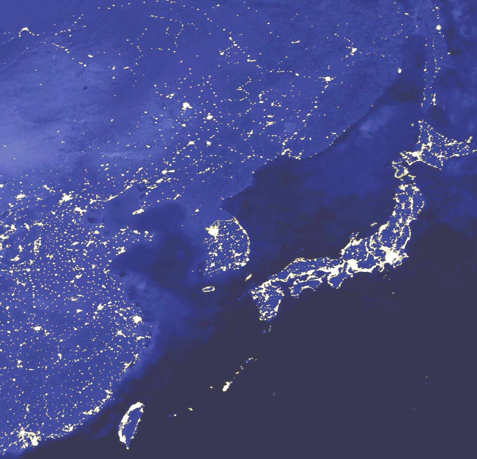 автомобиля чудом фото северной кореи ночью из космоса утра столице