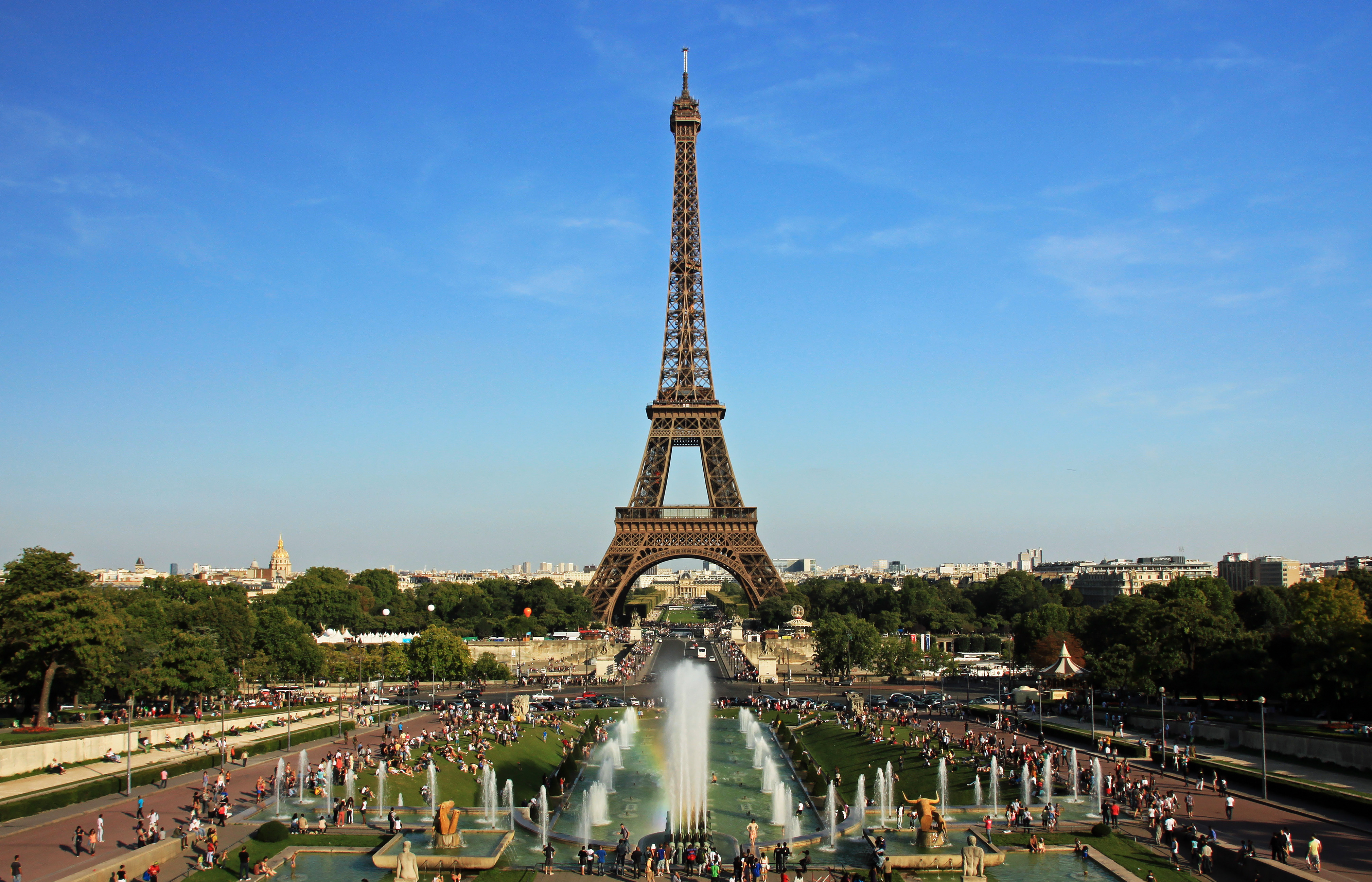 Eiffel Tower And Notre Dame Which One To Visit First