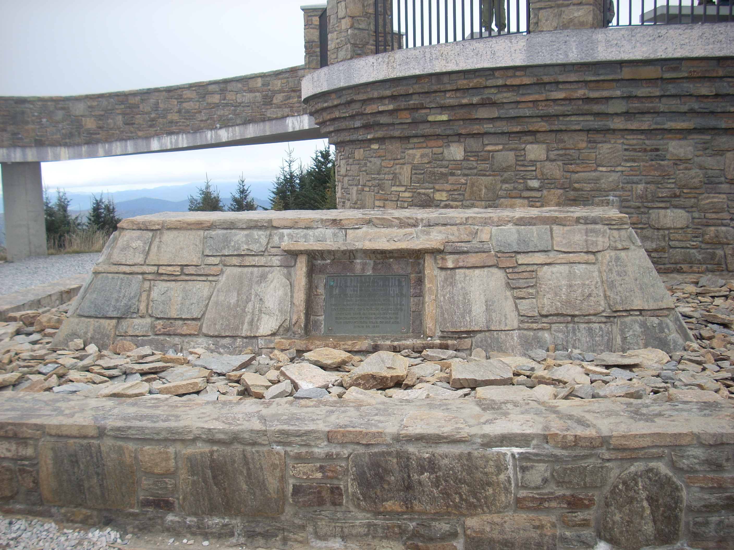 File:Elisha Mitchell\'s tomb, Mount Mitchell (Yancey County, Northbalance of yancey county